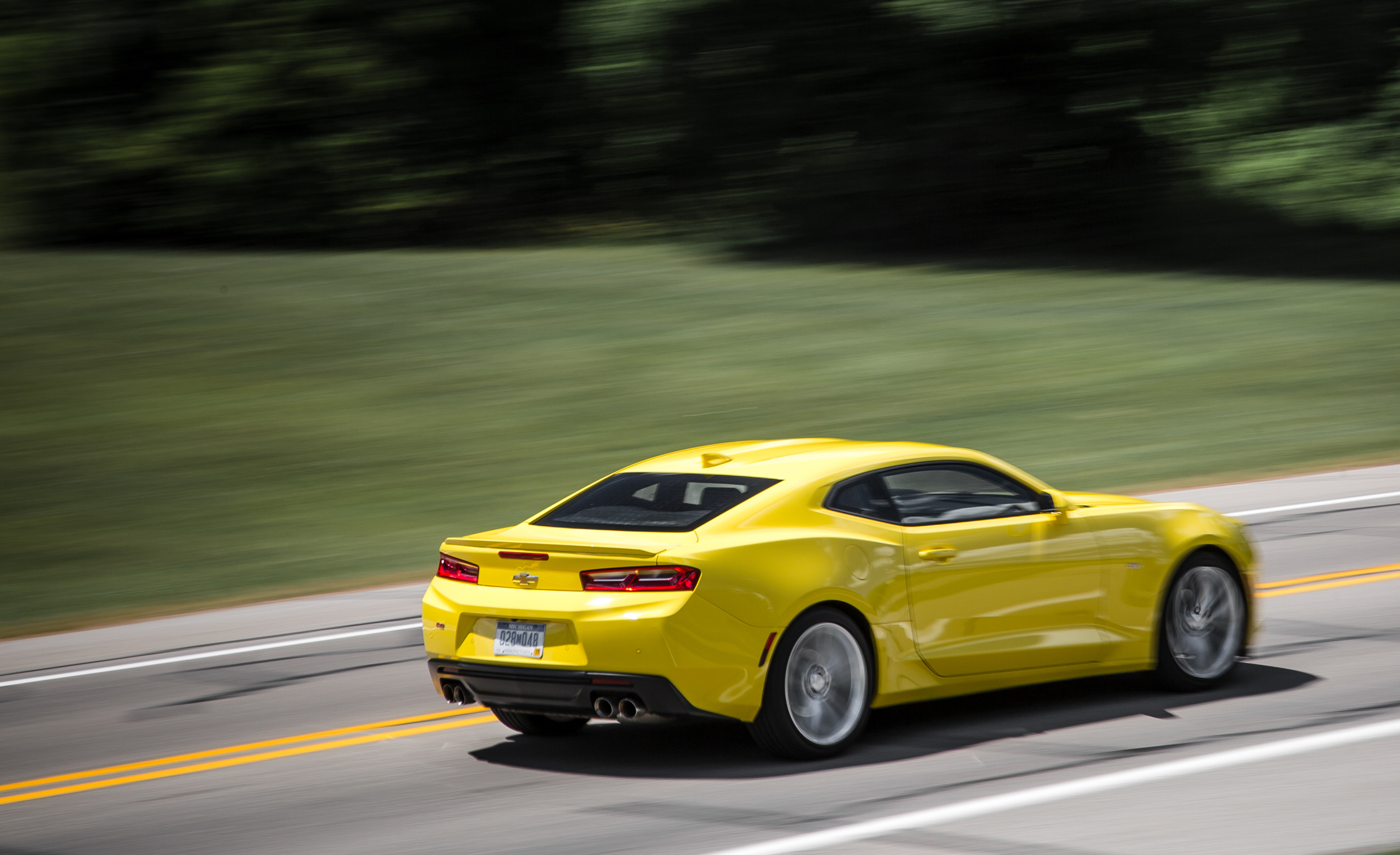 2016 Chevrolet Camaro RS (Photo 11 of 54)