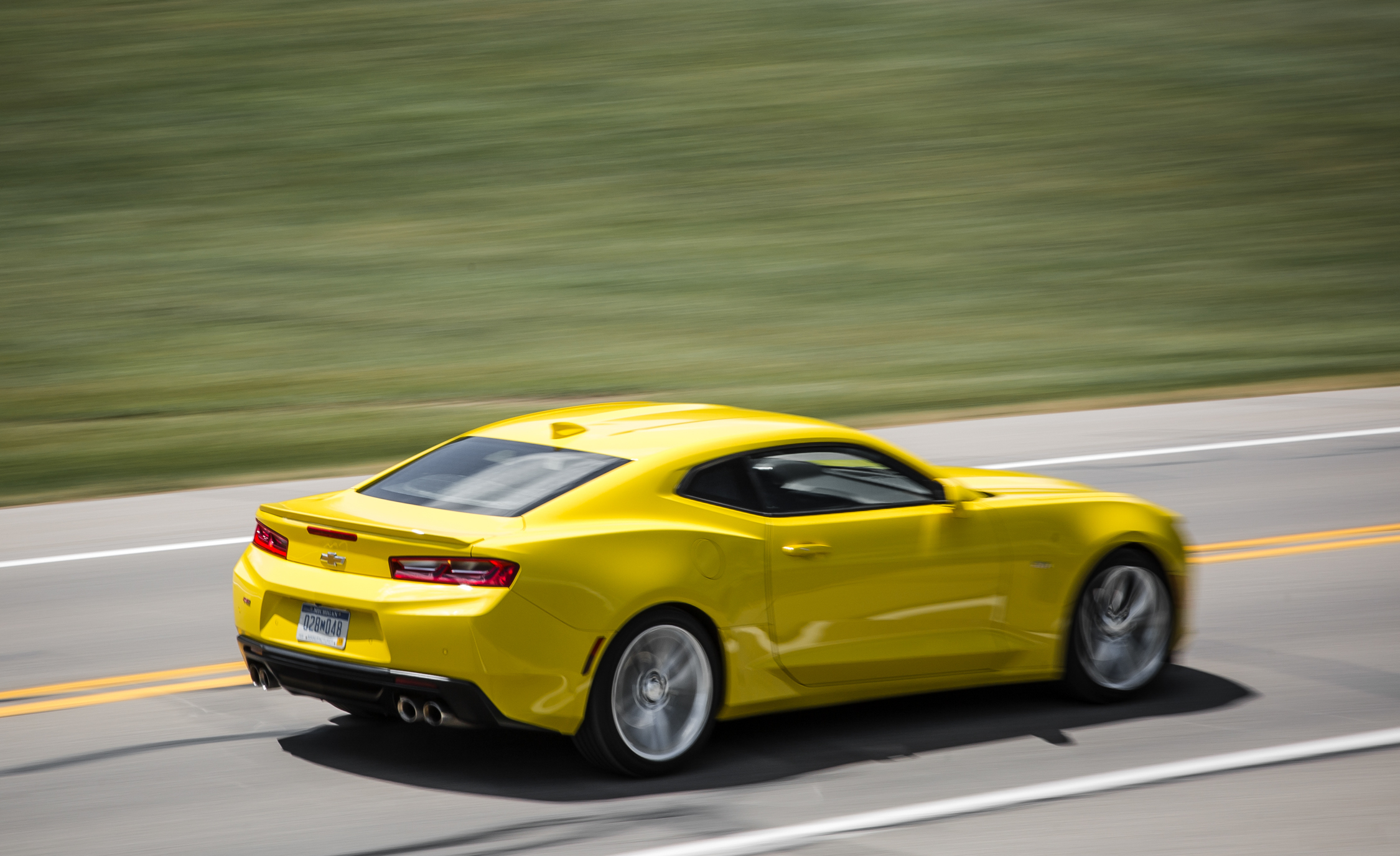 2016 Chevrolet Camaro RS (Photo 12 of 54)