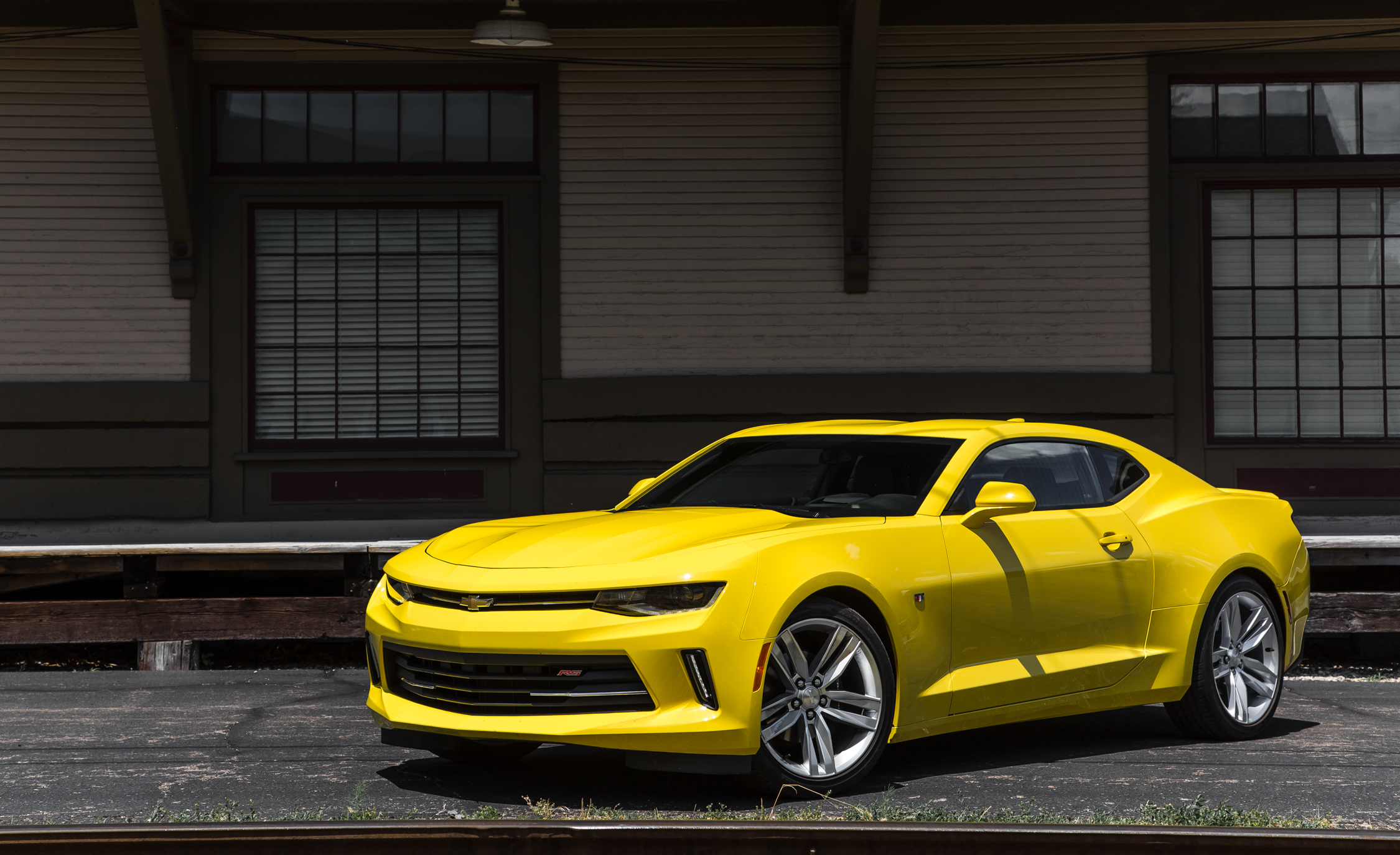 2016 Chevrolet Camaro RS (Photo 19 of 54)