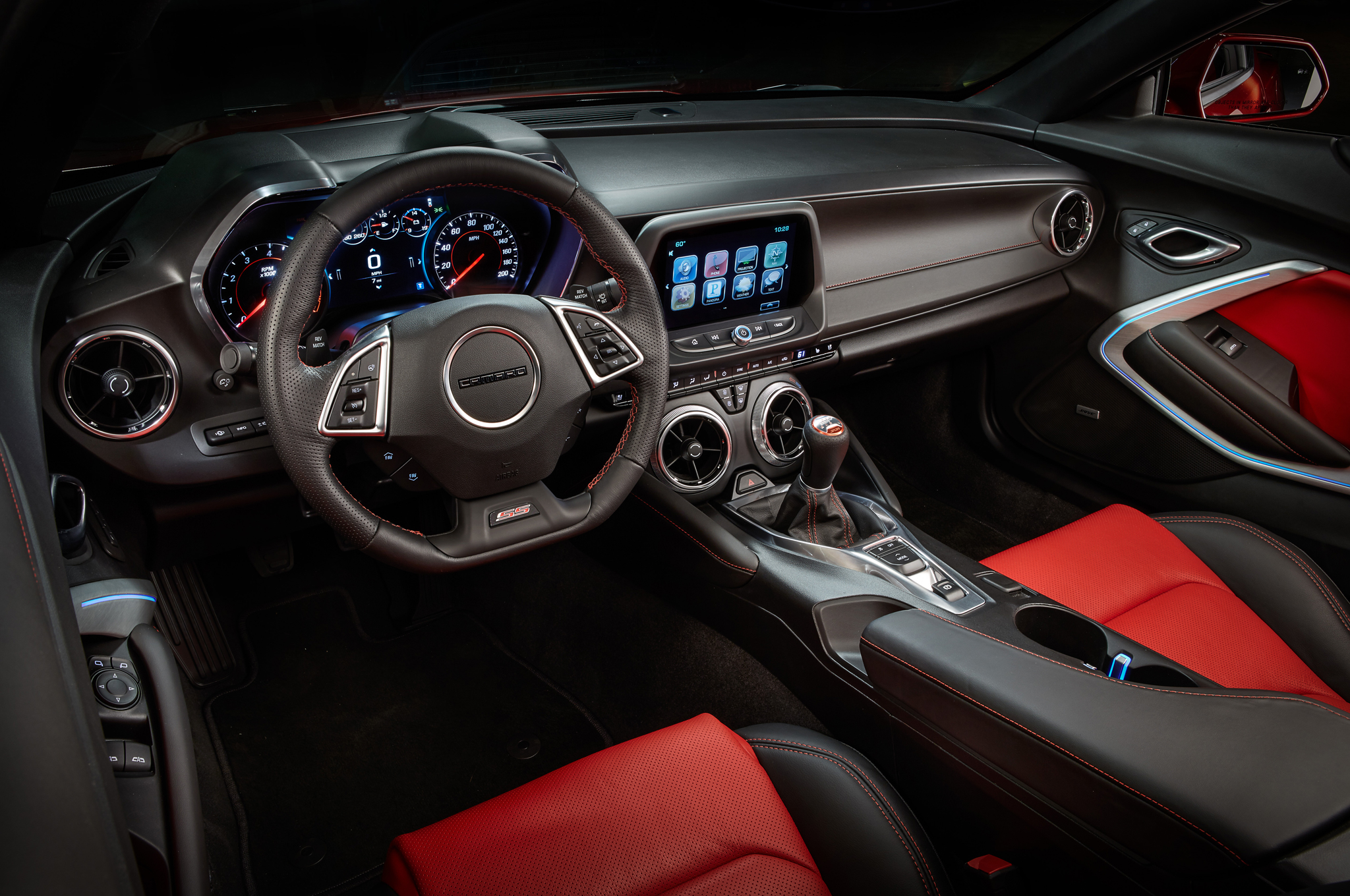 2016 Chevrolet Camaro Ss Cockpit Interior (Photo 45 of 54)