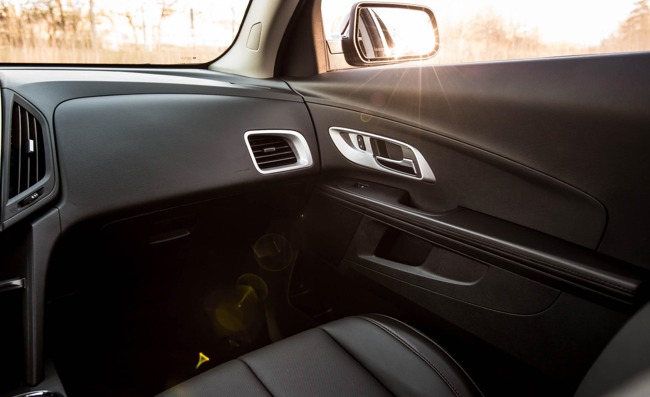 2016 Chevrolet Equinox LTZ (Photo 5 of 25)