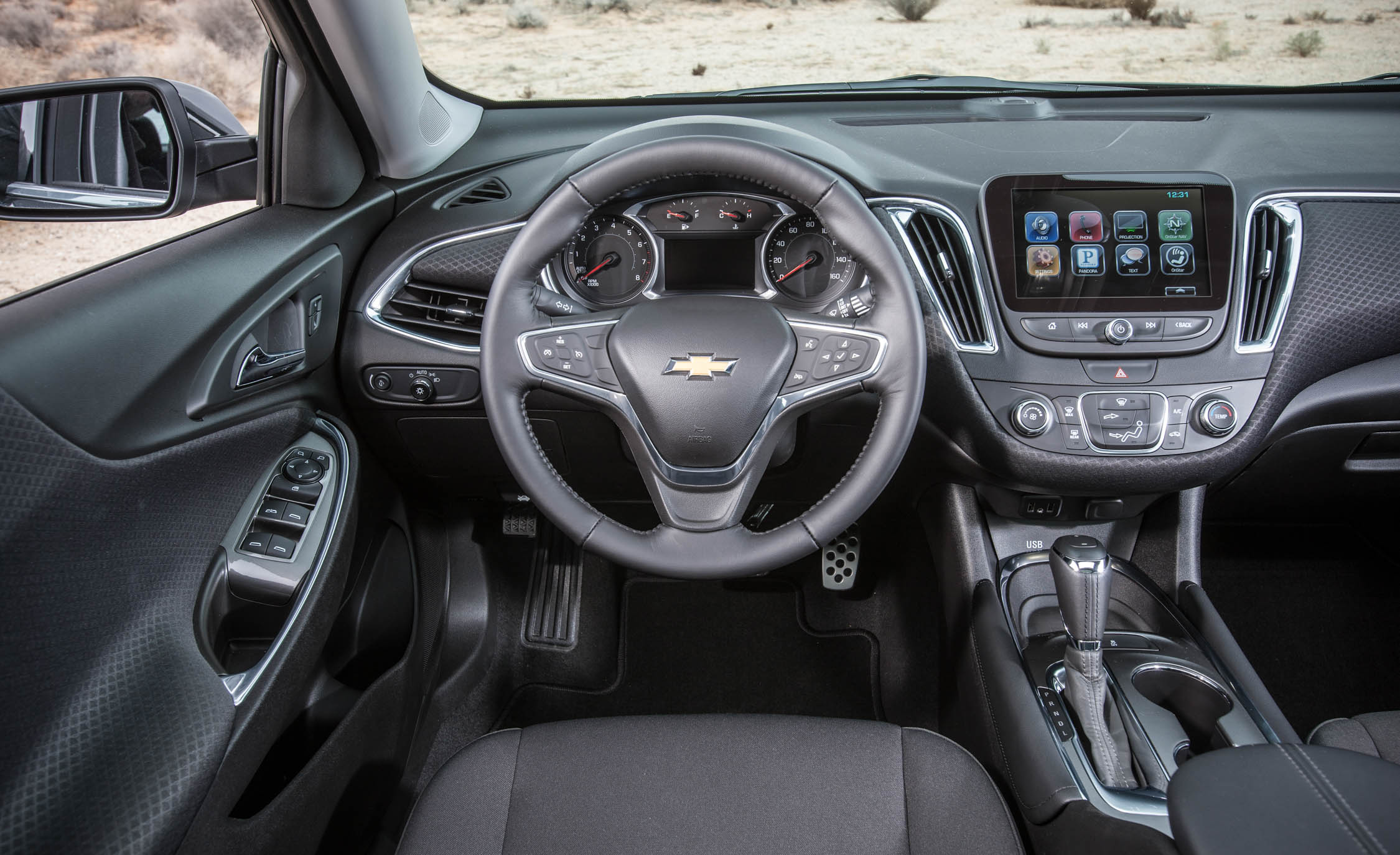 2016 Chevrolet Malibu LT  (Photo 4 of 19)