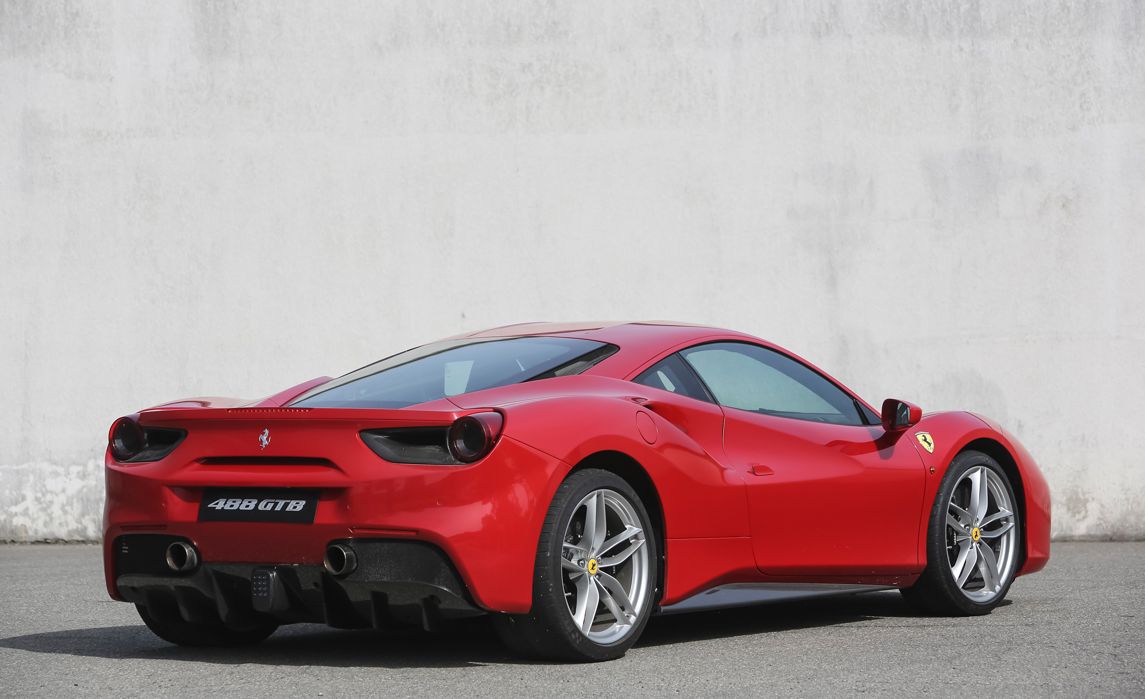 2016 Ferrari 488GTB (View 22 of 34)