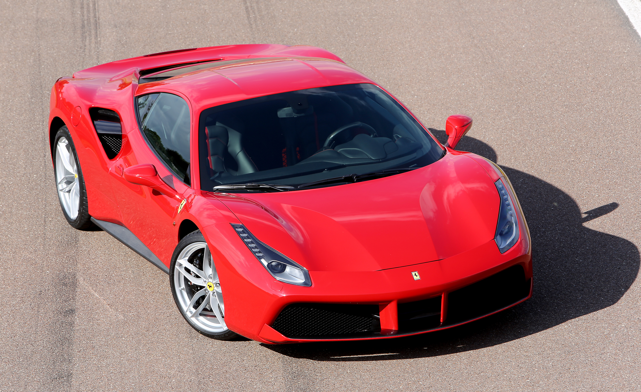 2016 Ferrari 488GTB (View 16 of 34)