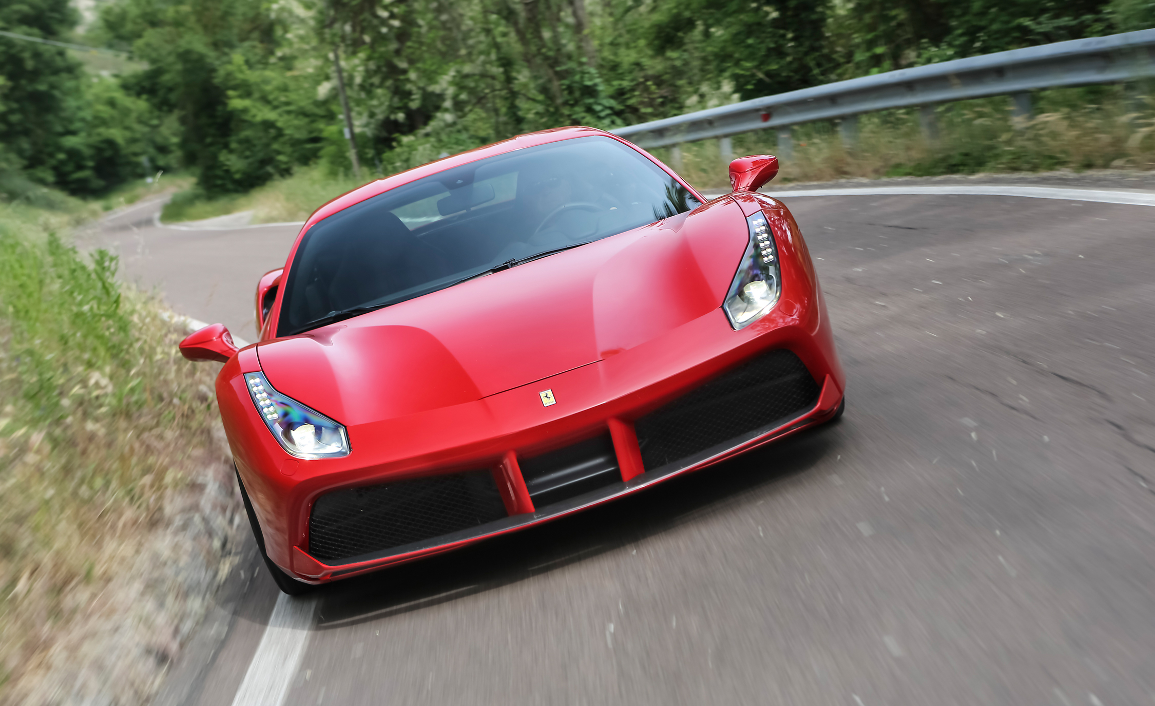 2016 Ferrari 488GTB (View 32 of 34)