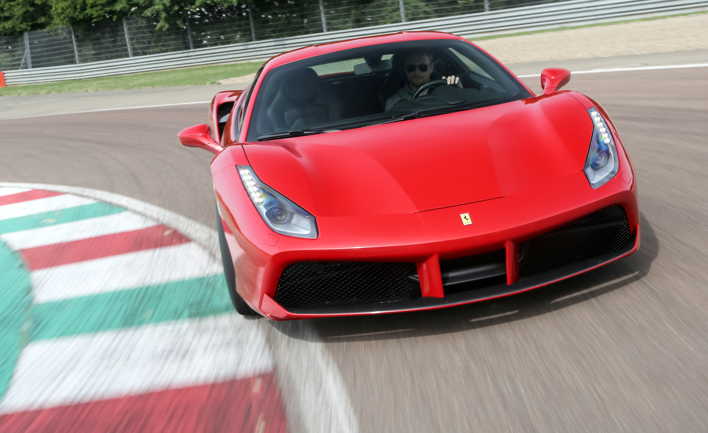2016 Ferrari 488GTB (View 31 of 34)