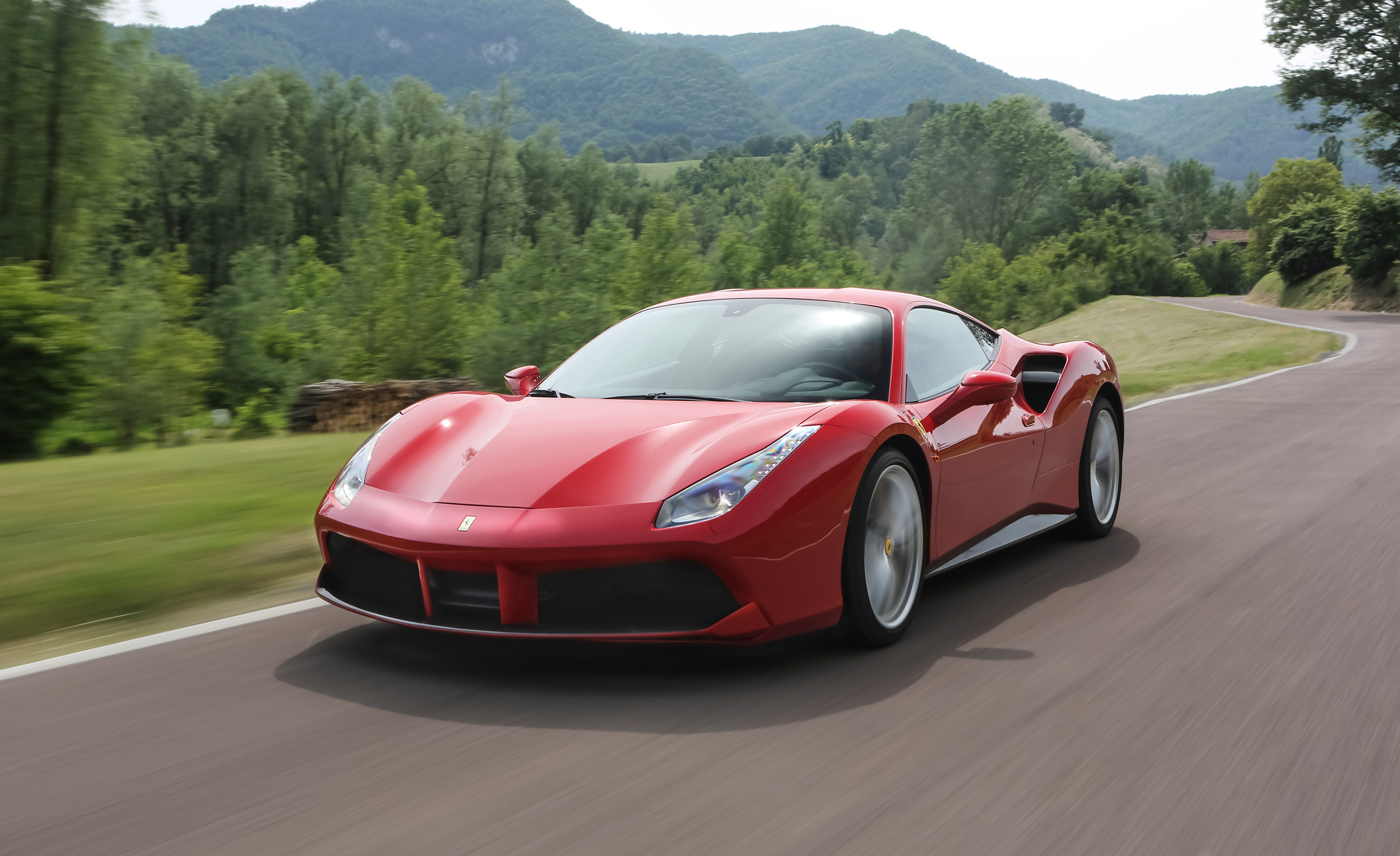 2016 Ferrari 488GTB (View 30 of 34)