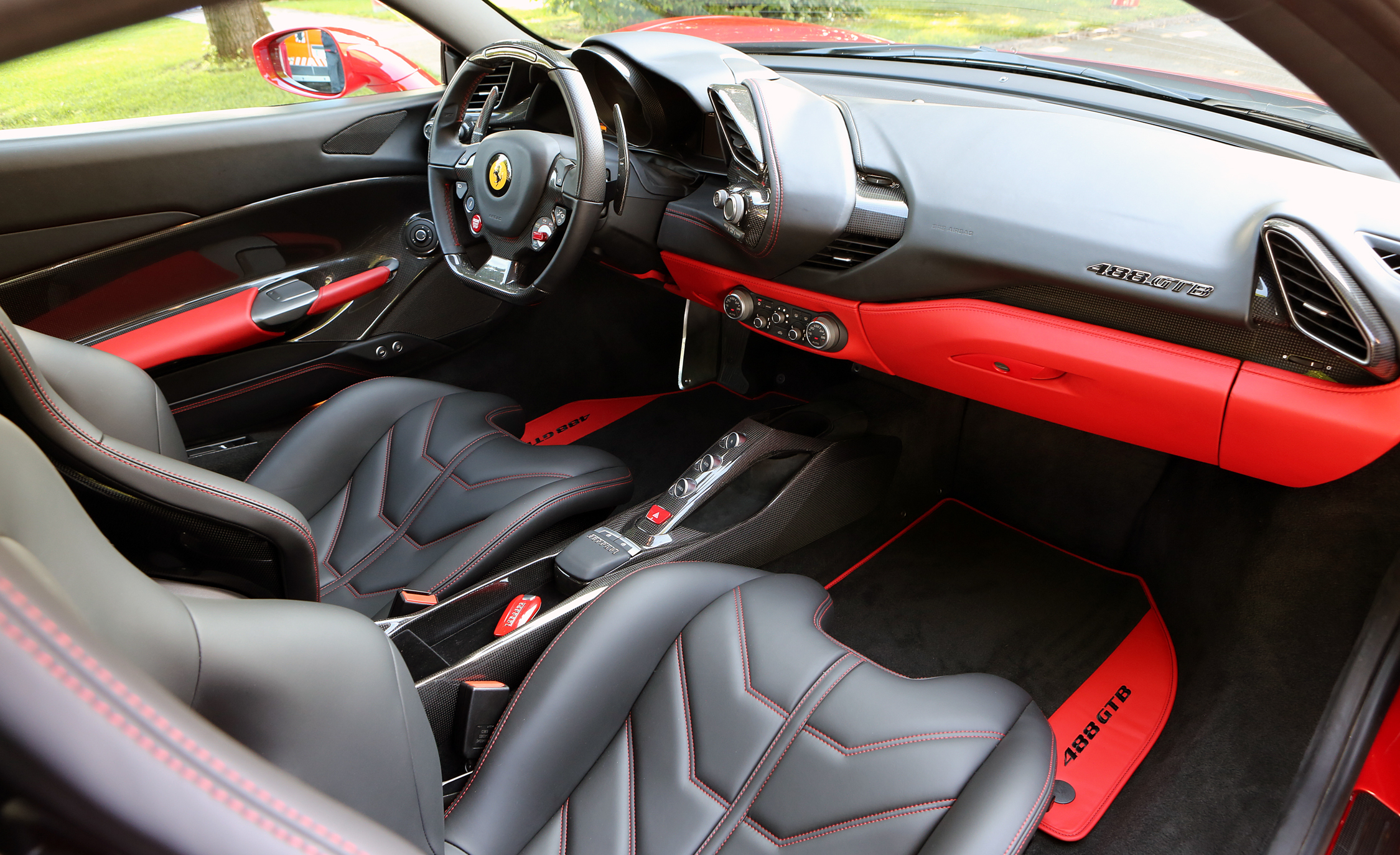 2016 Ferrari 488GTB (View 34 of 34)