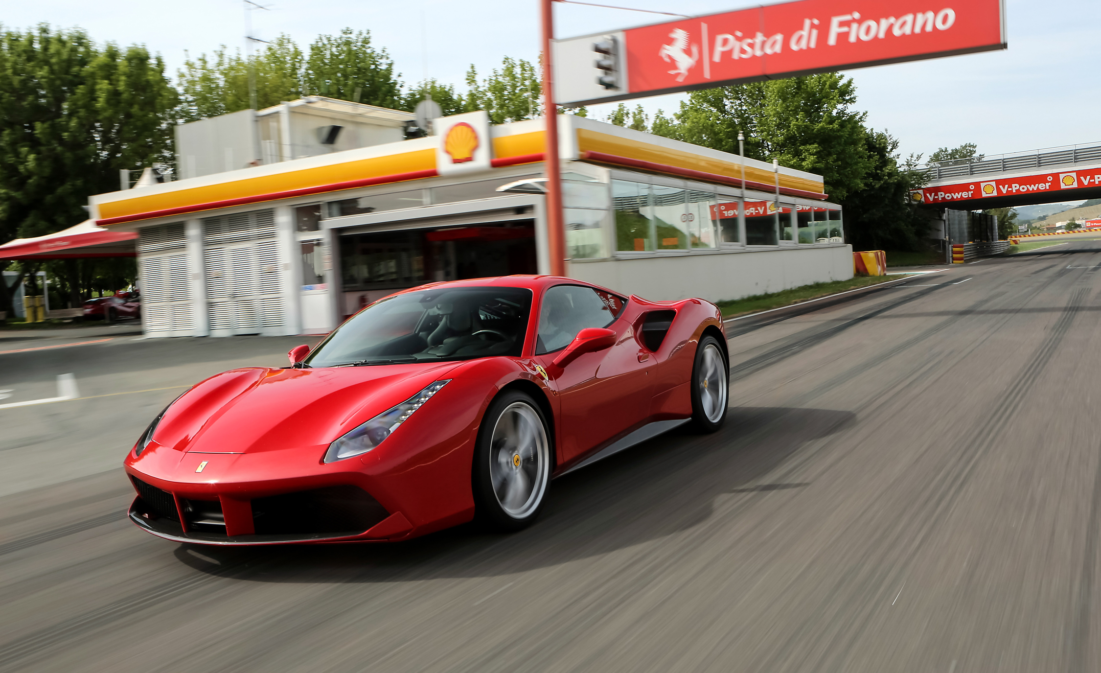 2016 Ferrari 488GTB (View 5 of 34)
