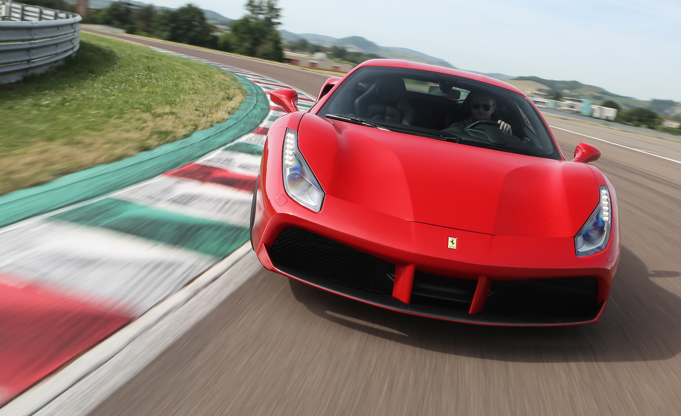 2016 Ferrari 488GTB (View 7 of 34)