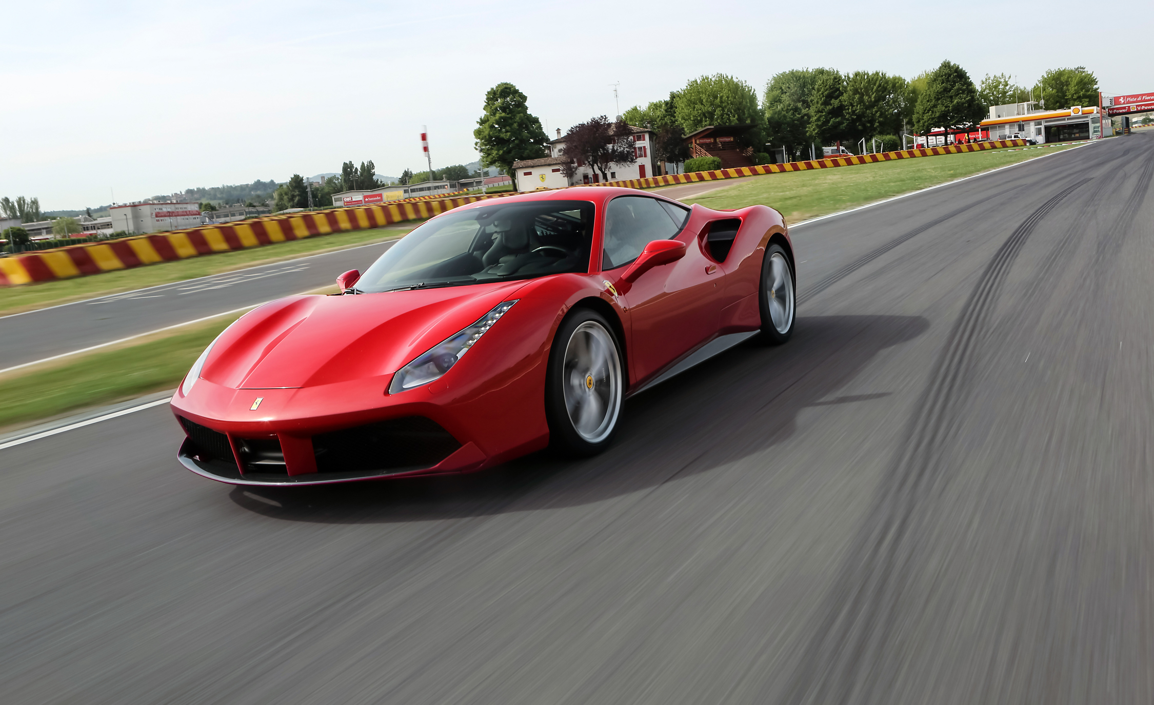 2016 Ferrari 488GTB (View 8 of 34)