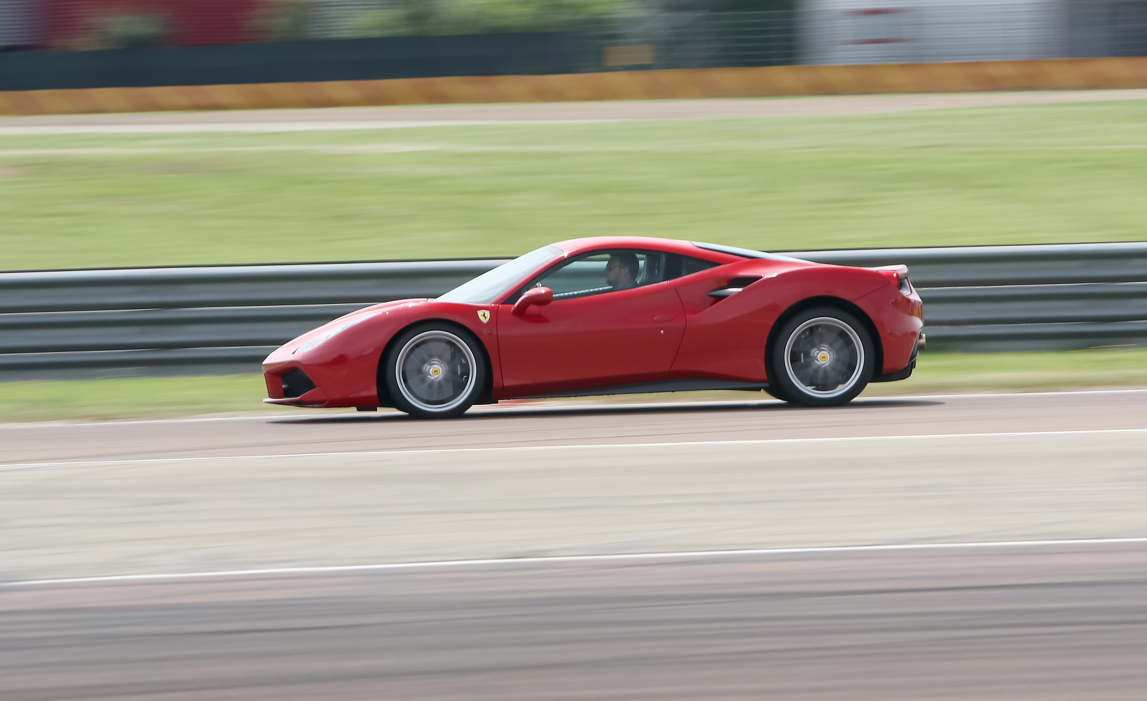 2016 Ferrari 488GTB (View 12 of 34)