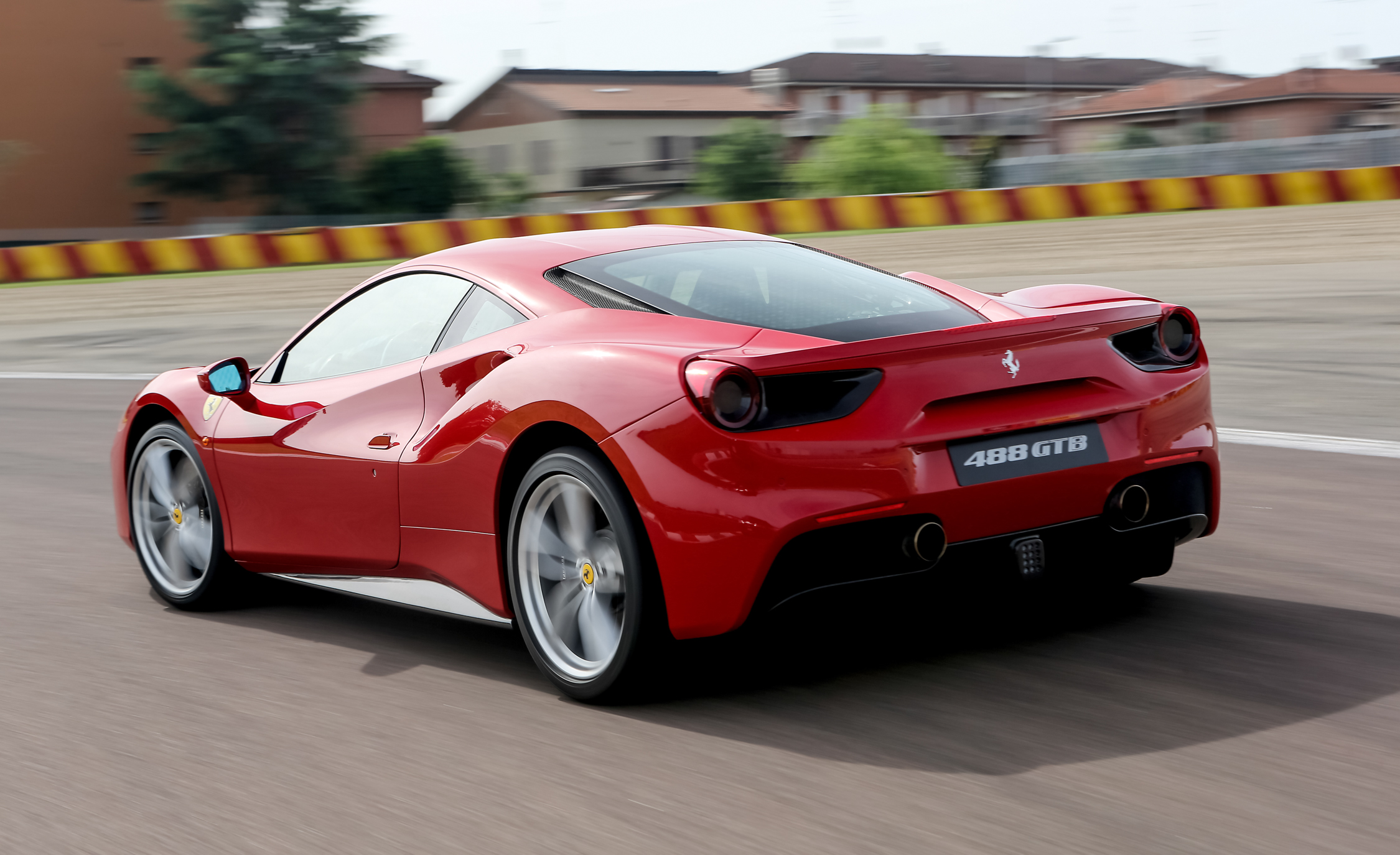 2016 Ferrari 488GTB (View 11 of 34)