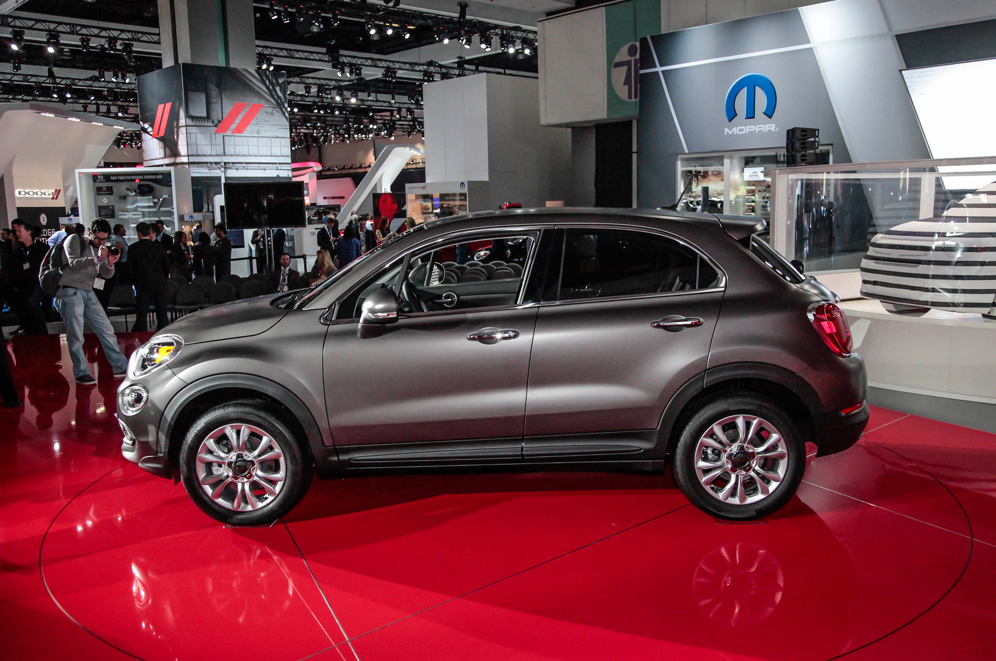 2016 Fiat 500x Side View In Auto Show (Photo 66 of 66)