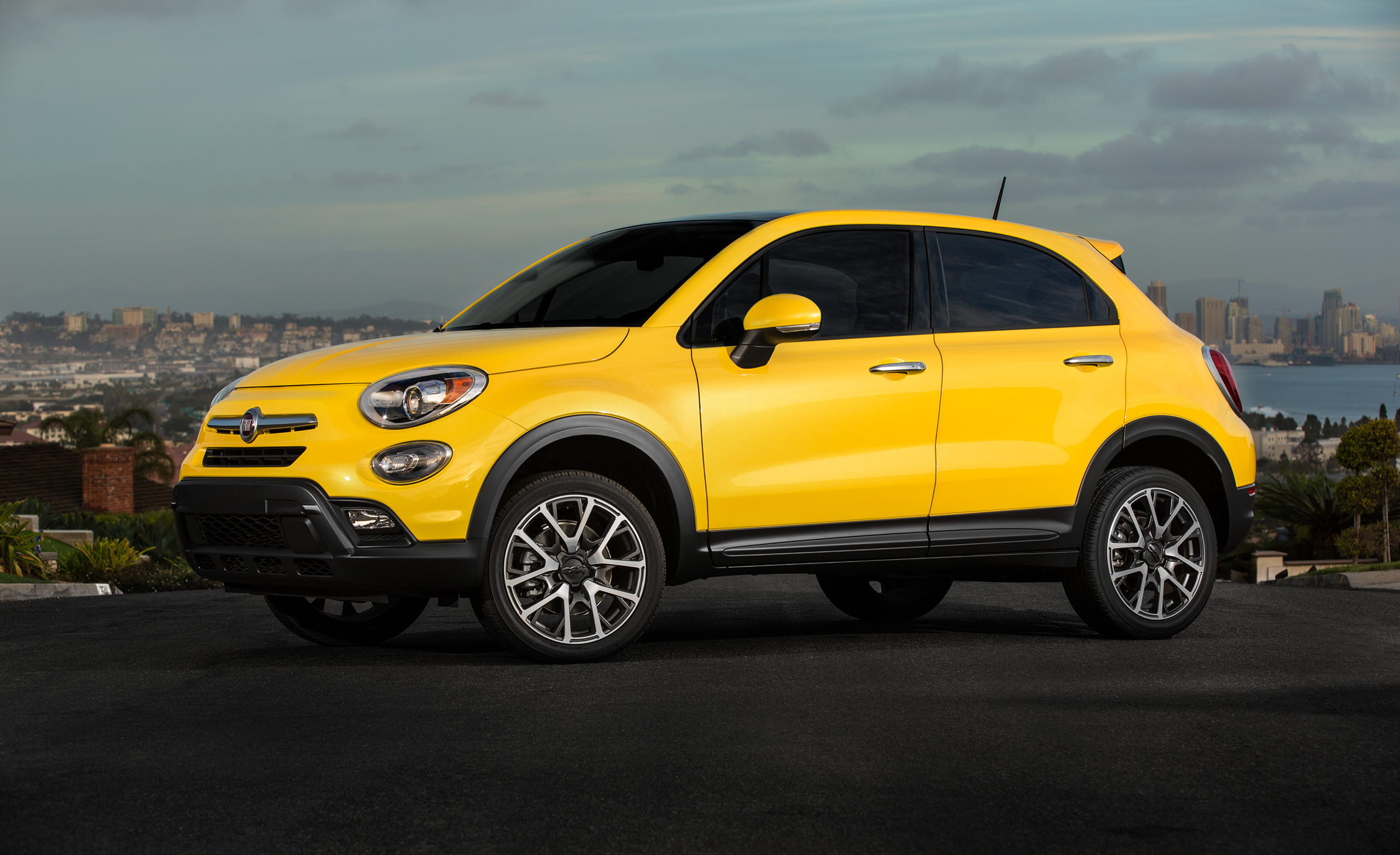 2016 Fiat 500X Trekking Plus (Photo 34 of 66)