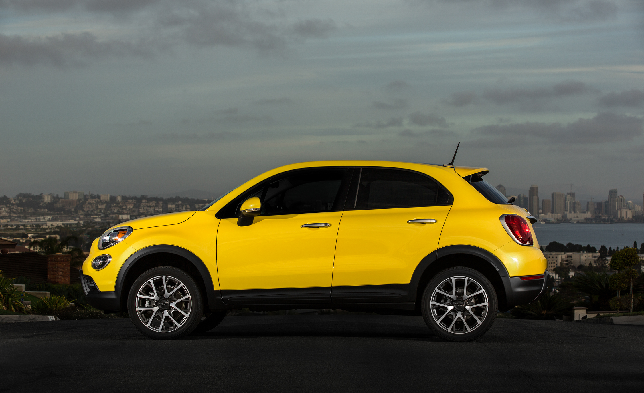 2016 Fiat 500X Trekking Plus (Photo 39 of 66)