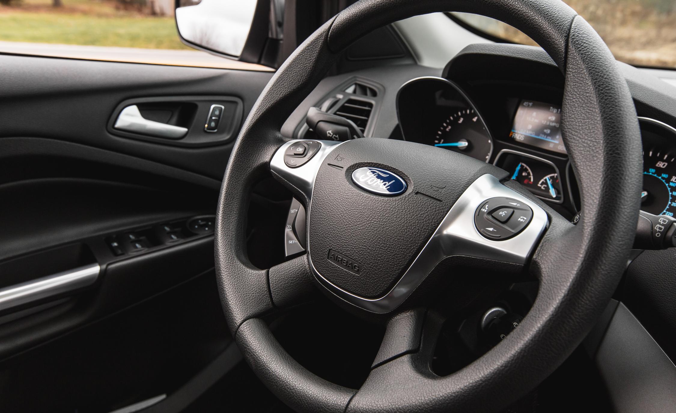 2016 Ford Escape  (Photo 7 of 23)