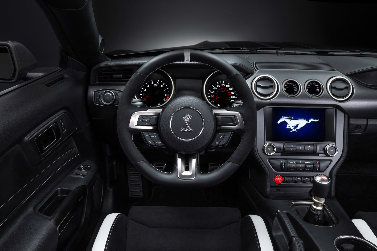 2016 Ford Mustang Shelby Gt350r Cockpit And Speedometer (Photo 23 of 47)