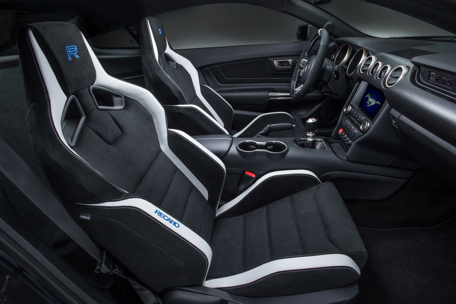 2016 Ford Mustang Shelby Gt350r Front Interior (Photo 30 of 47)
