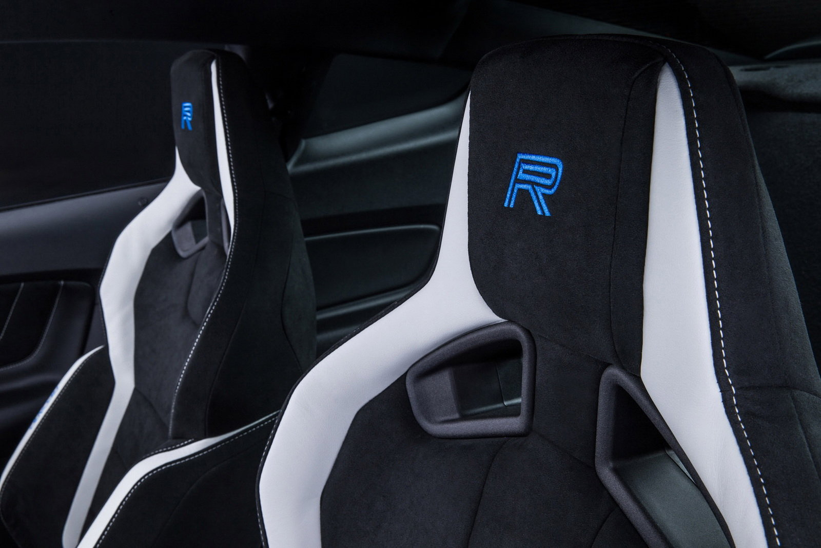 2016 Ford Mustang Shelby Gt350r Front Seats (Photo 31 of 47)