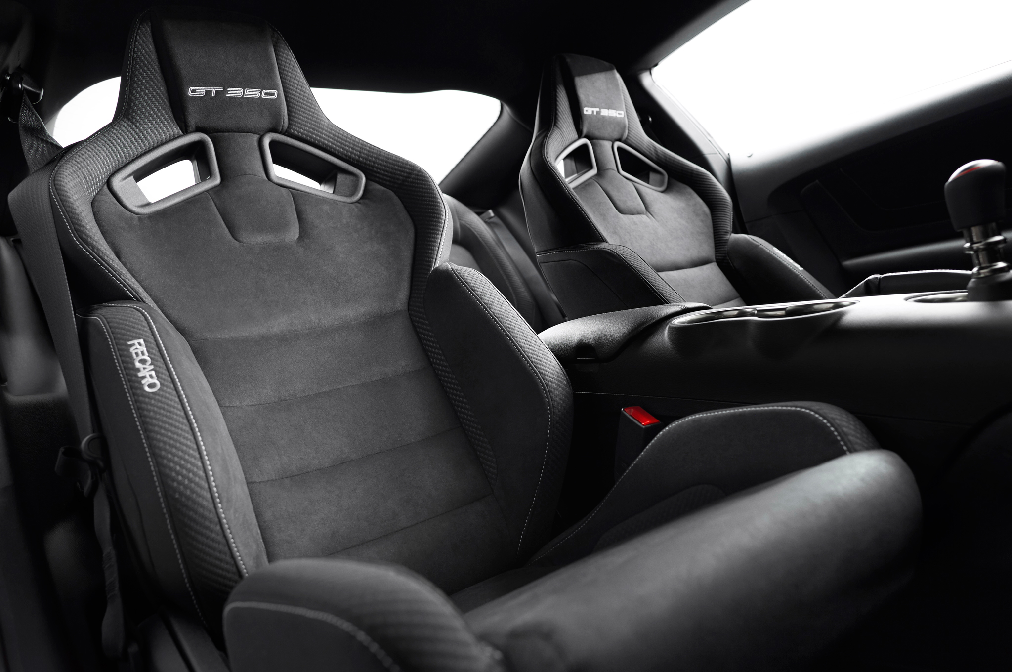 2016 Ford Shelby Gt350 Mustang Interior Seats (Photo 45 of 47)