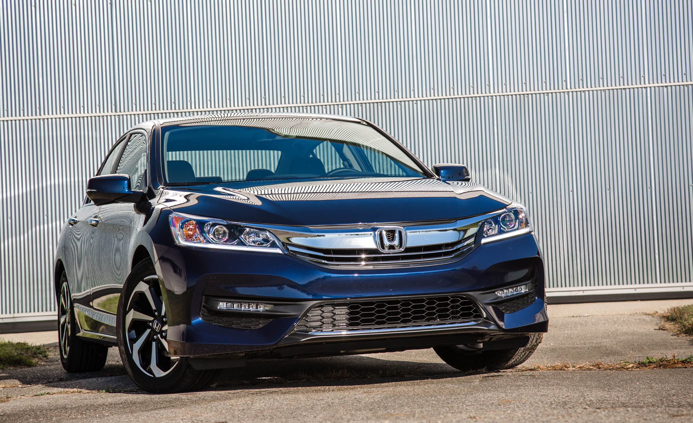 2016 Honda Accord EX (Photo 16 of 52)