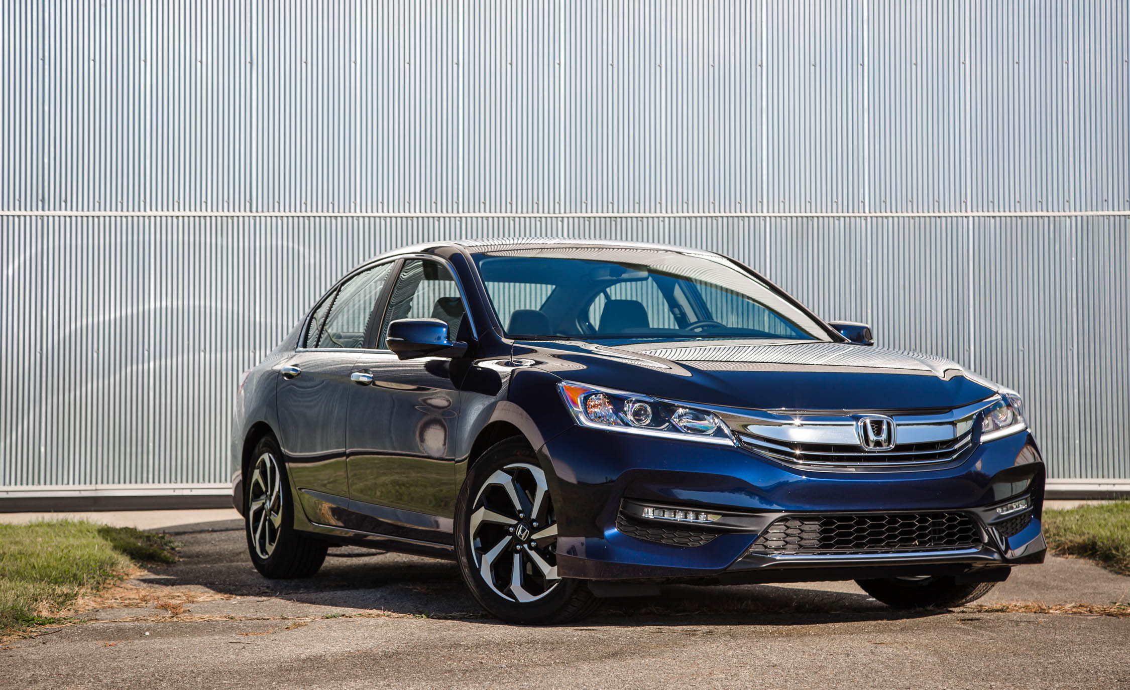 2016 Honda Accord EX (Photo 14 of 52)