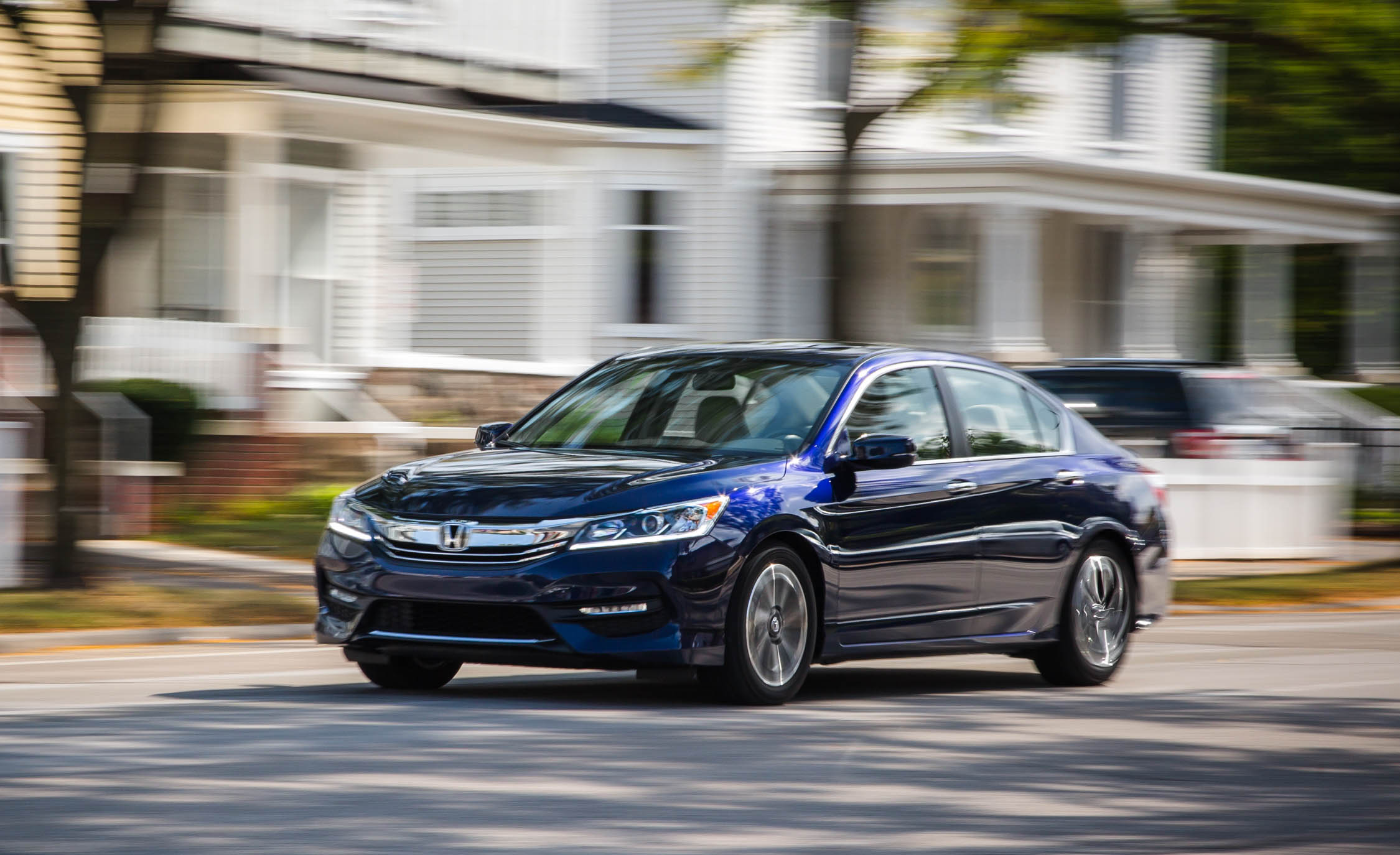 2016 Honda Accord EX (Photo 9 of 52)