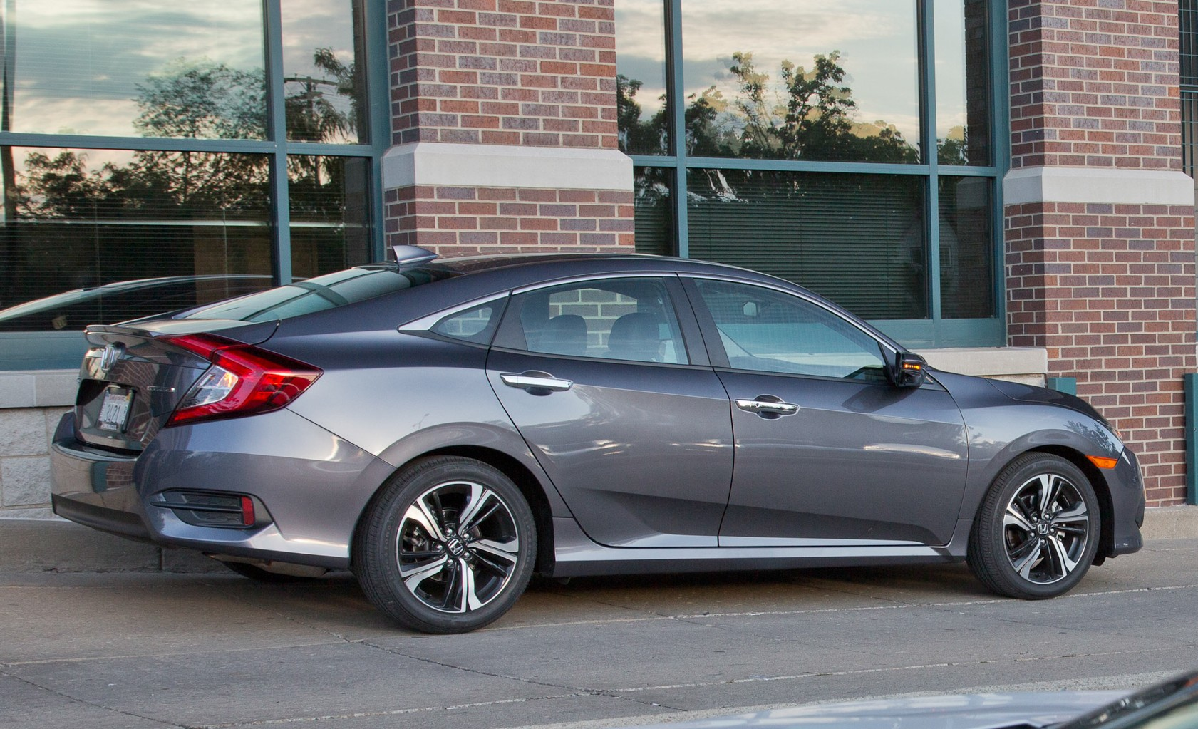 2016 Honda Civic Touring Exterior Side (View 22 of 36)