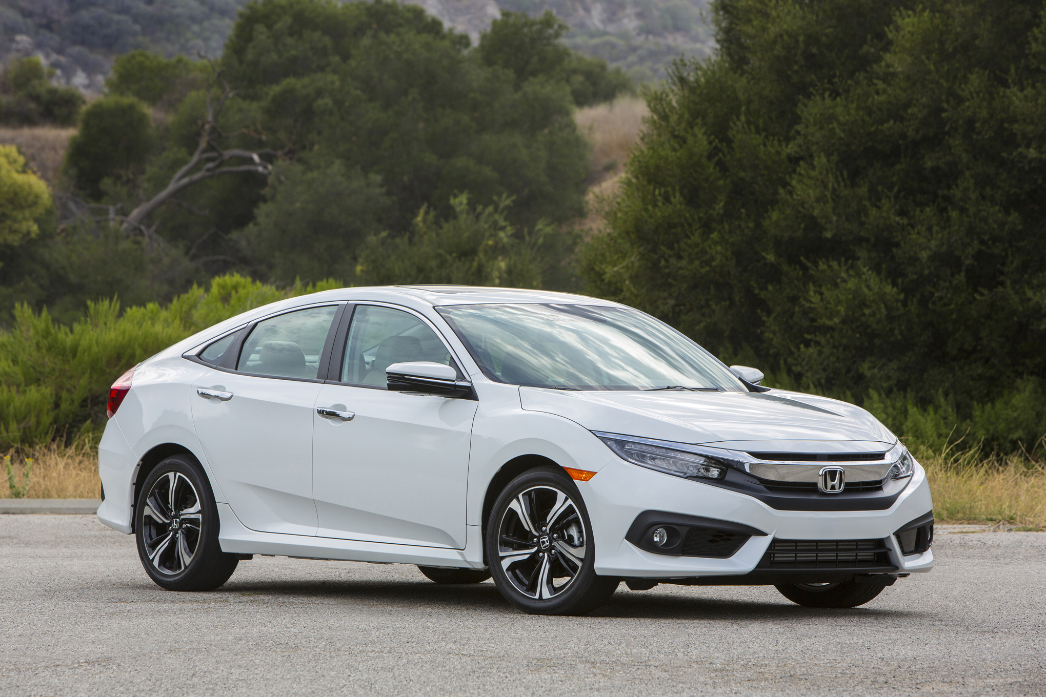 2016 Honda Civic Touring White (View 10 of 36)