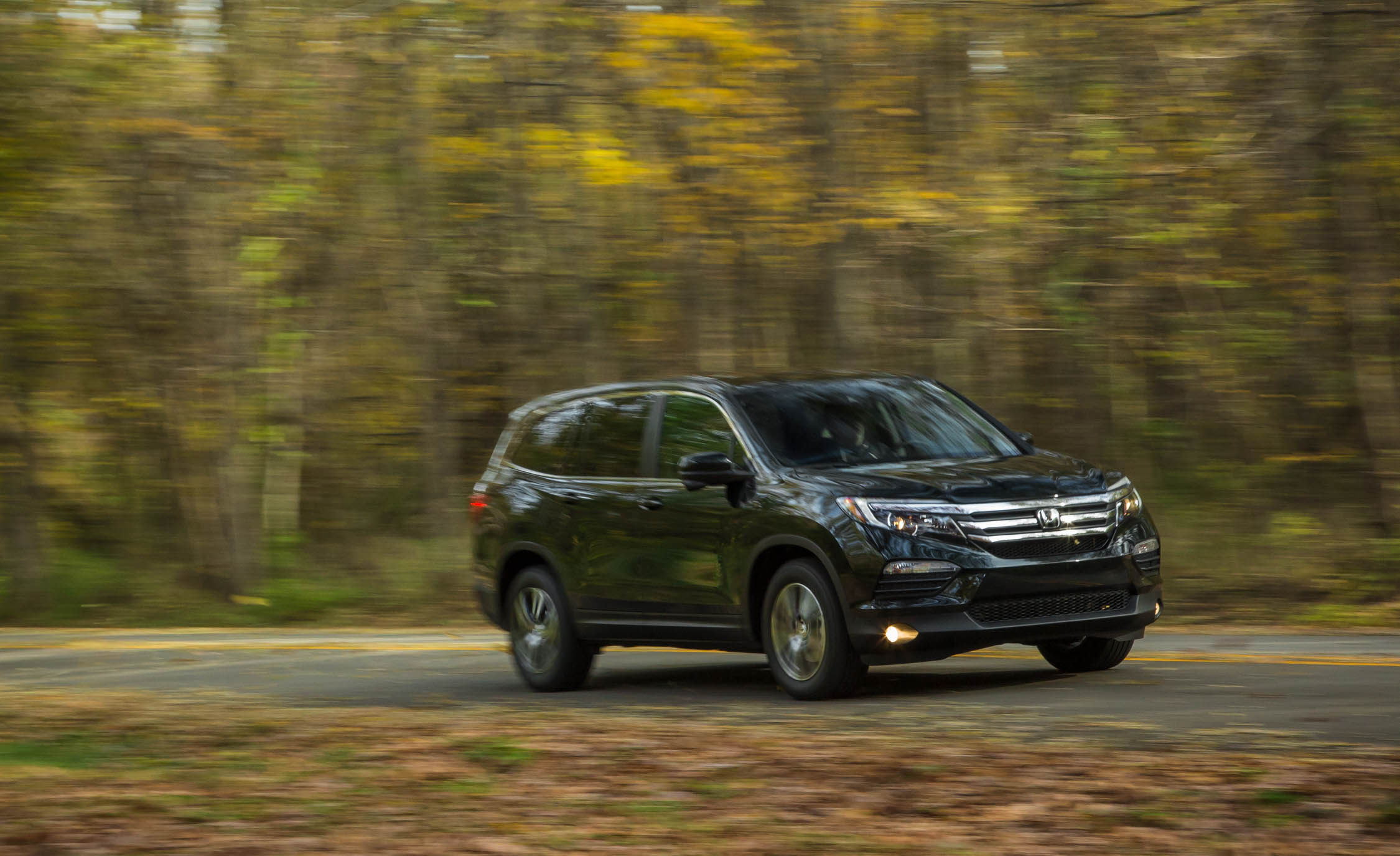 2016 Honda Pilot EX FWD (Photo 13 of 32)