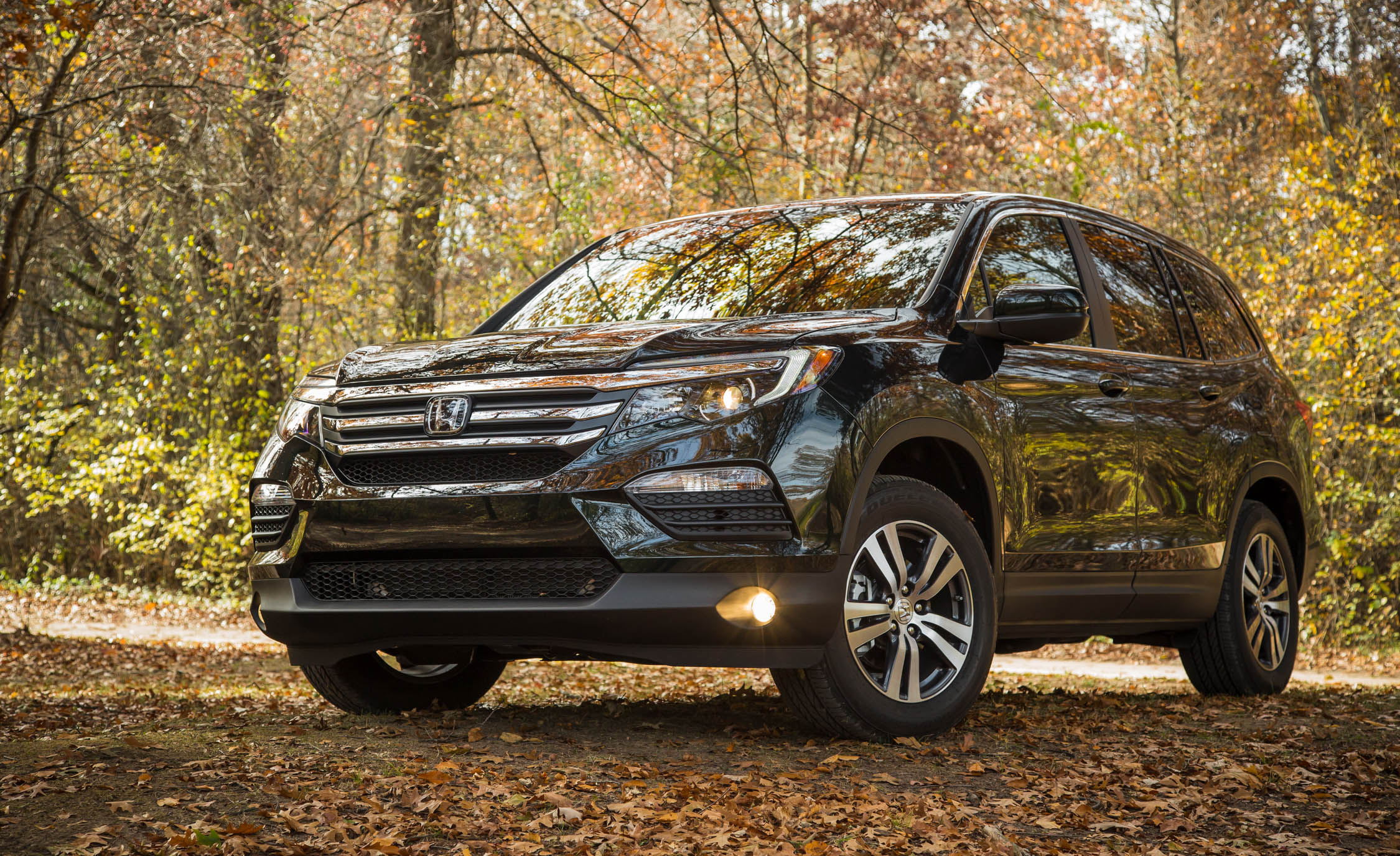 2016 Honda Pilot EX FWD (Photo 14 of 32)