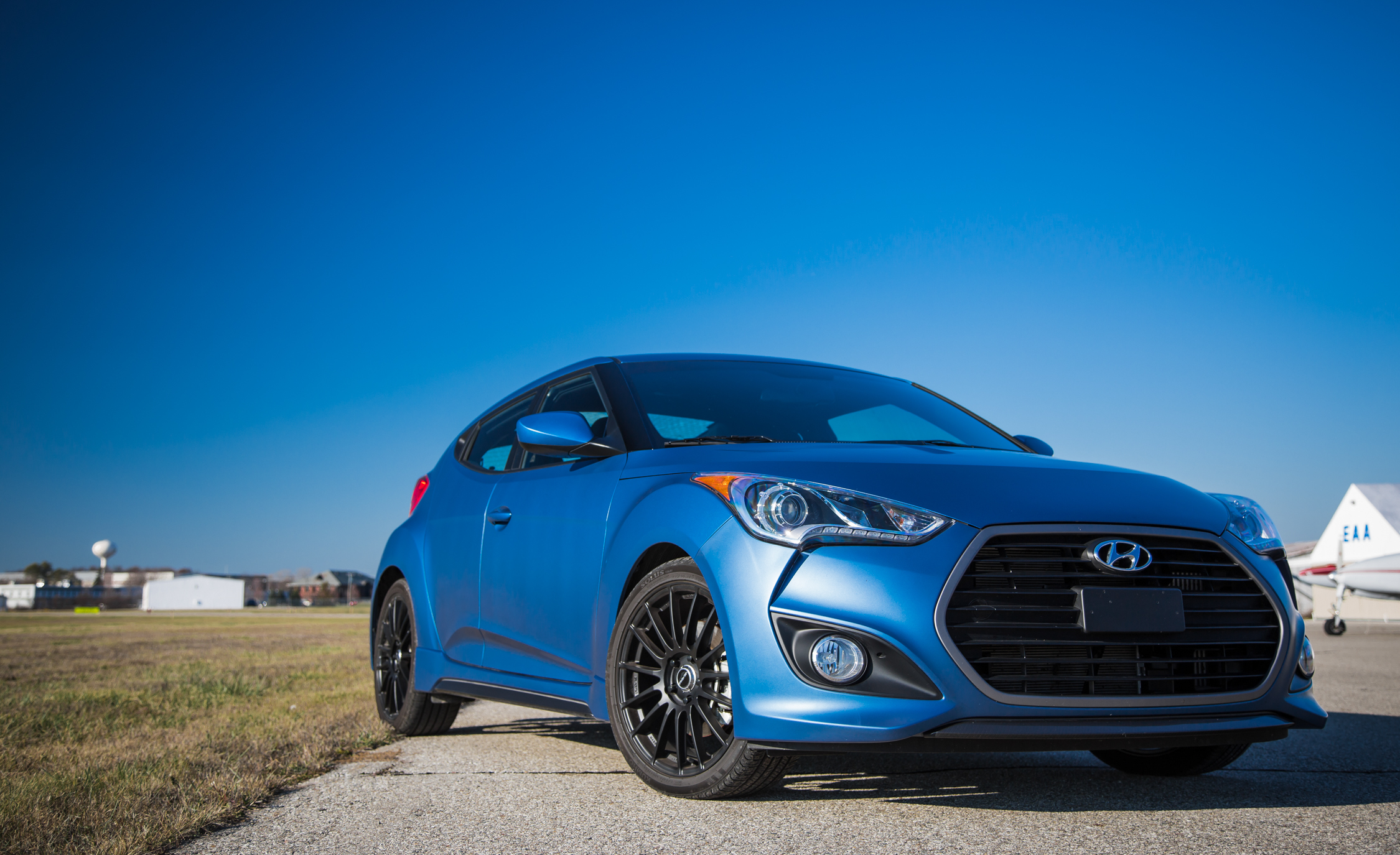 2016 Hyundai Veloster Turbo Rally Edition (Photo 10 of 28)