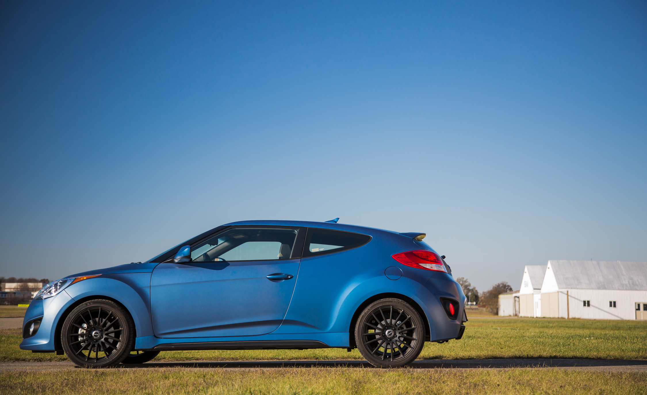 2016 Hyundai Veloster Turbo Rally Edition (Photo 12 of 28)