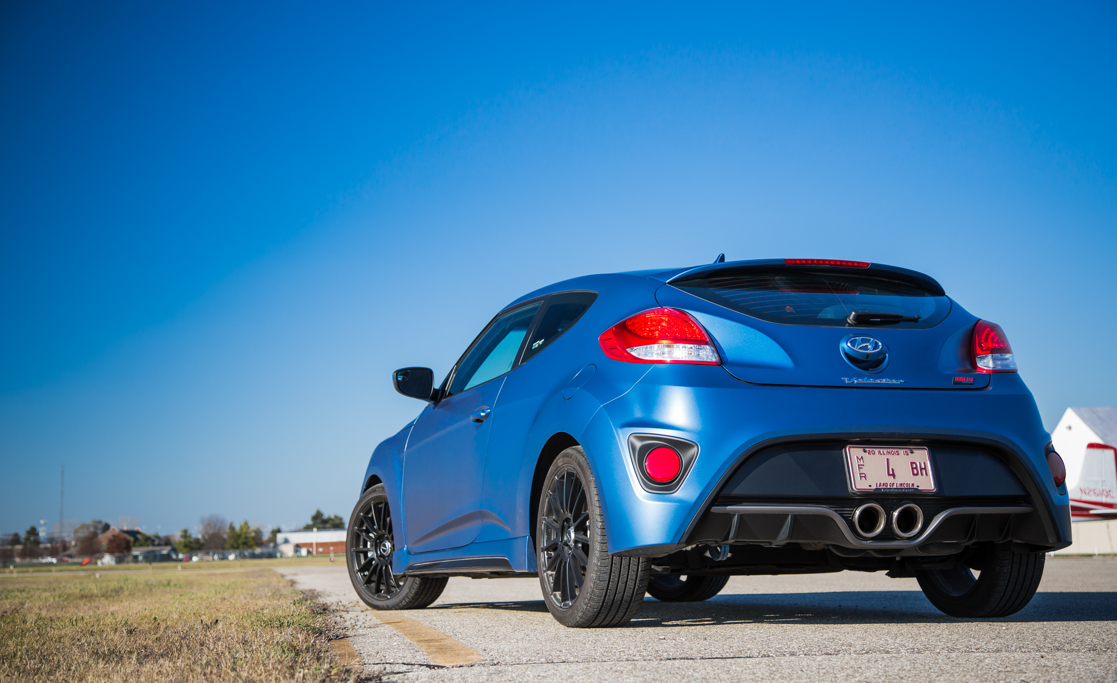 2016 Hyundai Veloster Turbo Rally Edition (Photo 16 of 28)