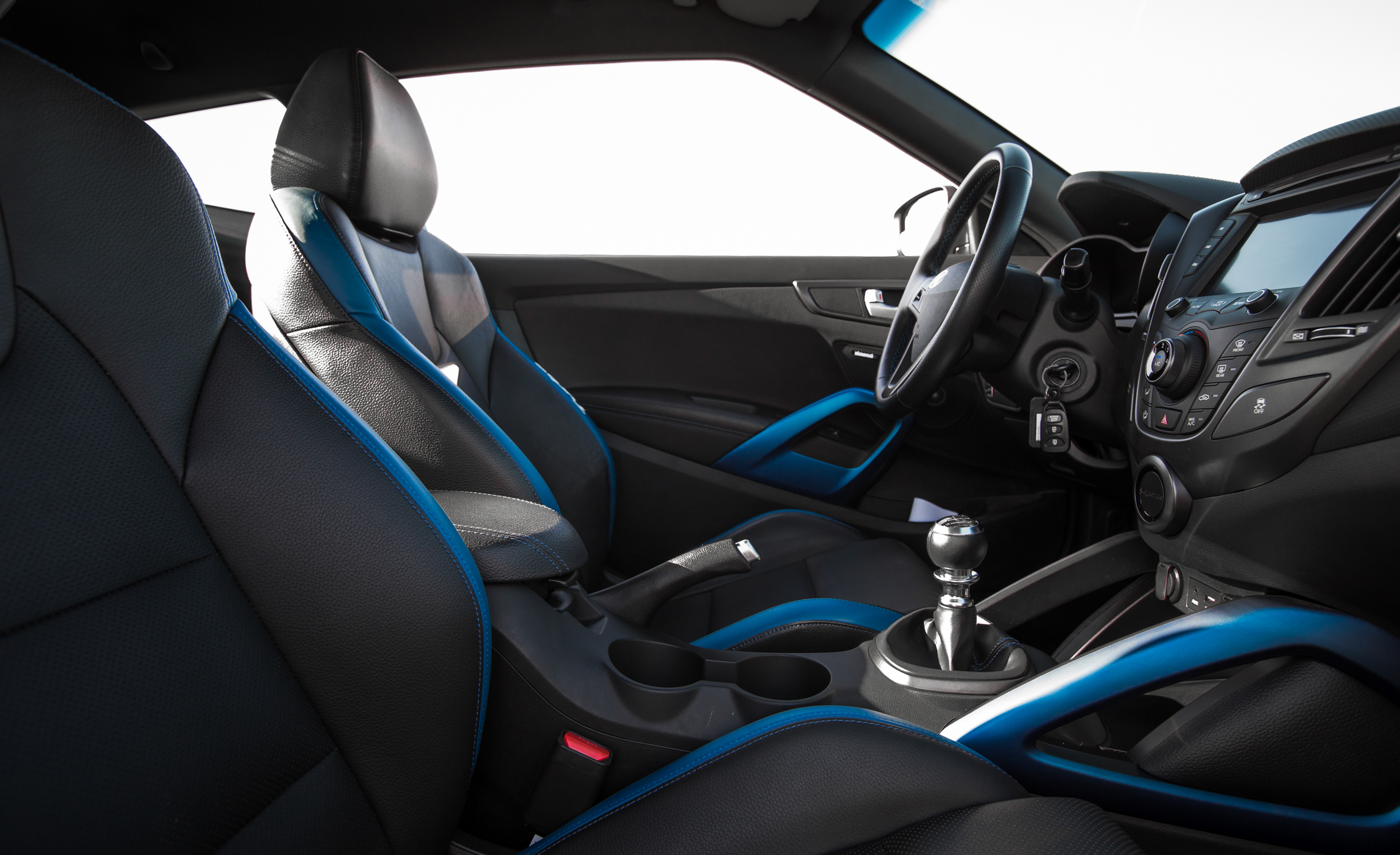 2016 Hyundai Veloster Turbo Rally Edition (Photo 21 of 28)