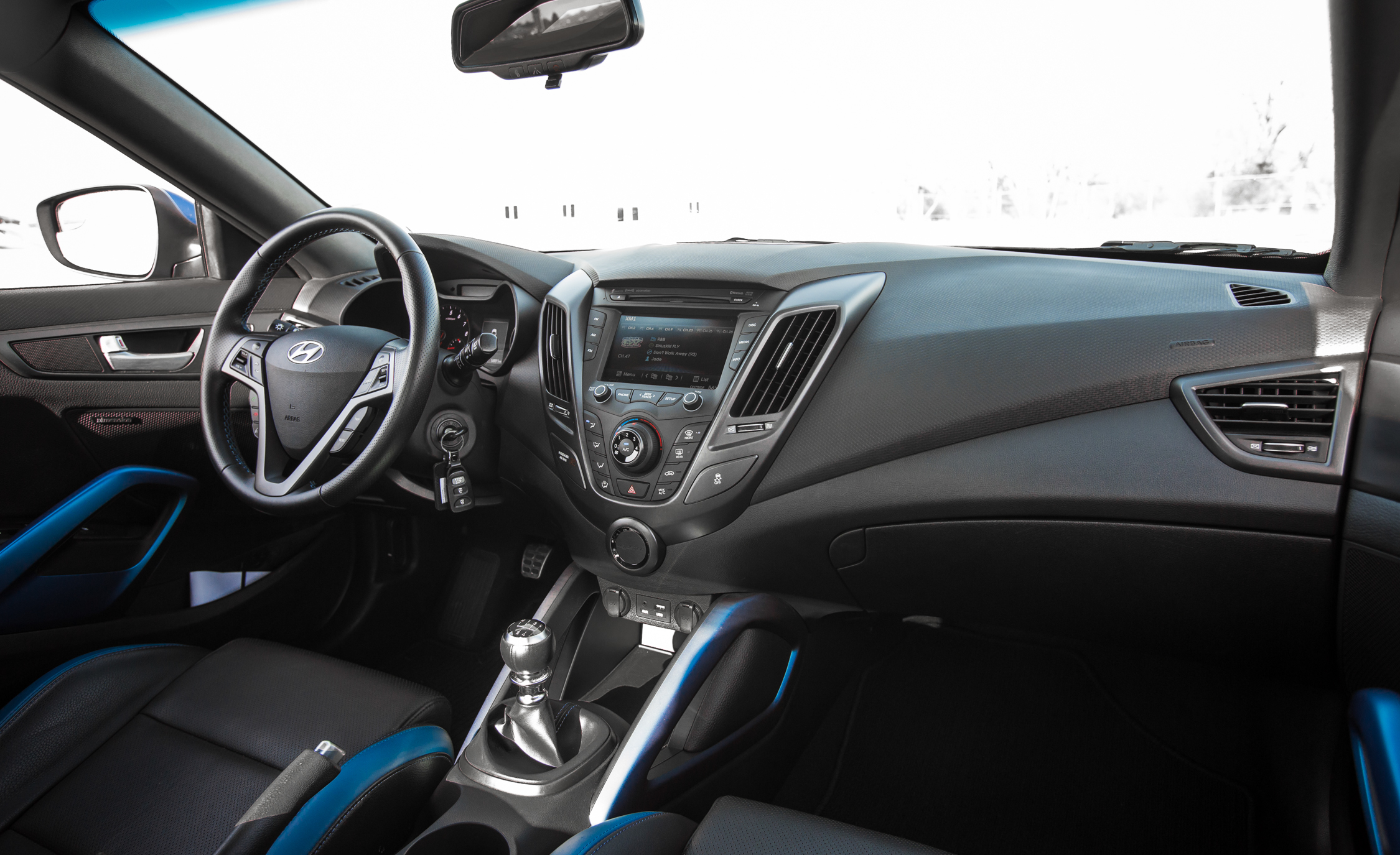2016 Hyundai Veloster Turbo Rally Edition (Photo 22 of 28)