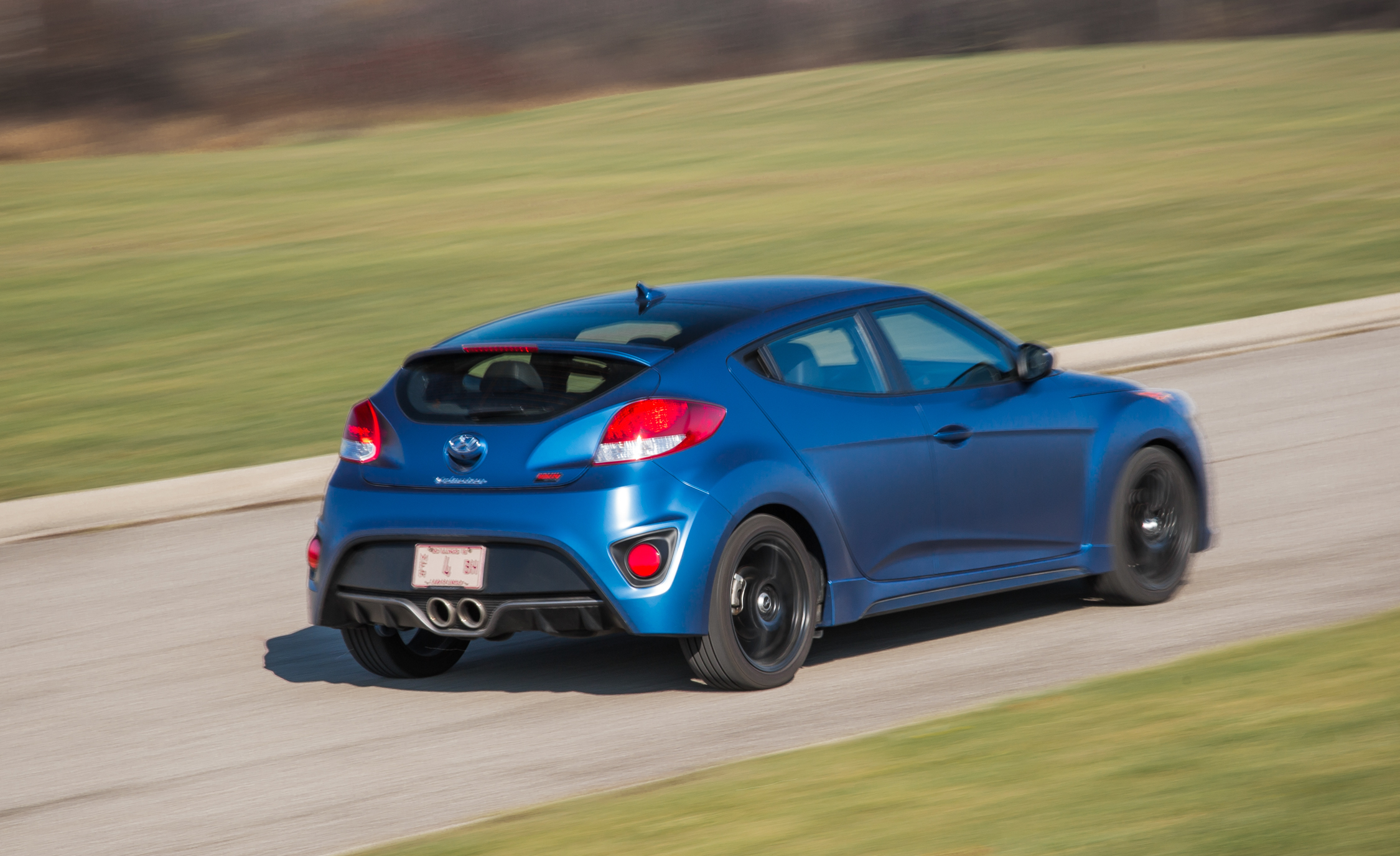 2016 Hyundai Veloster Turbo Rally Edition (Photo 3 of 28)