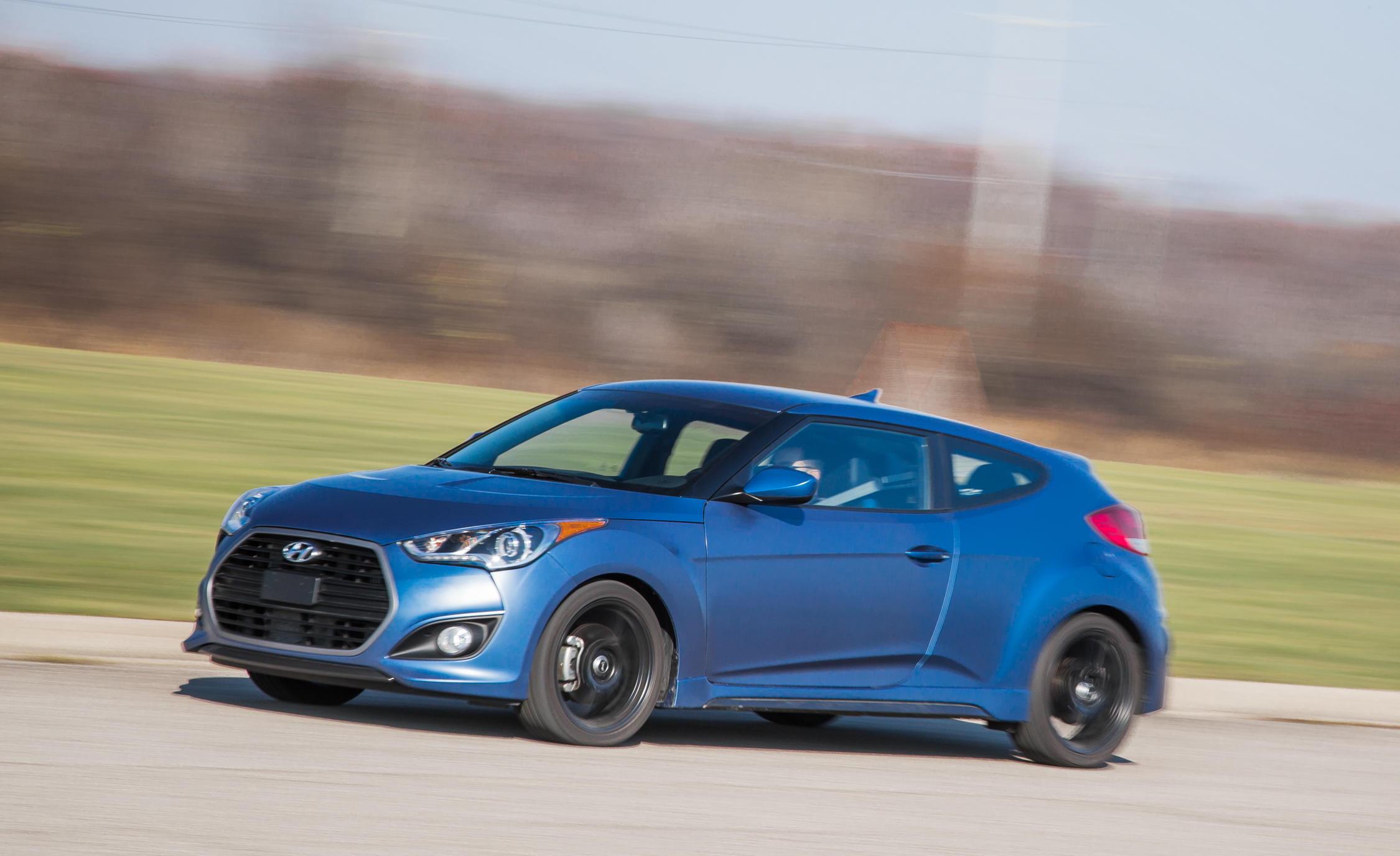 2016 Hyundai Veloster Turbo Rally Edition (Photo 2 of 28)