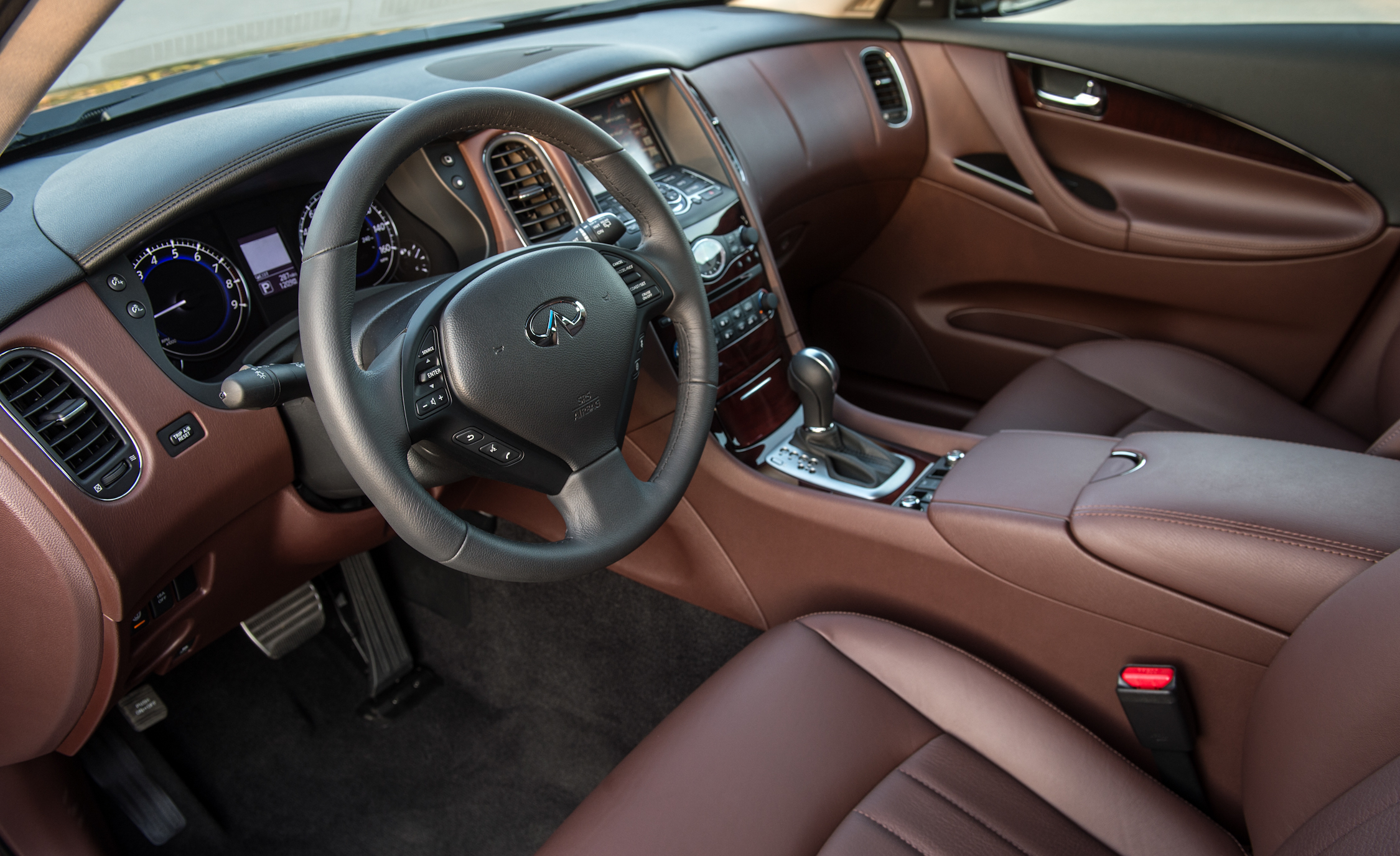 2016 Infiniti QX (Photo 26 of 30)