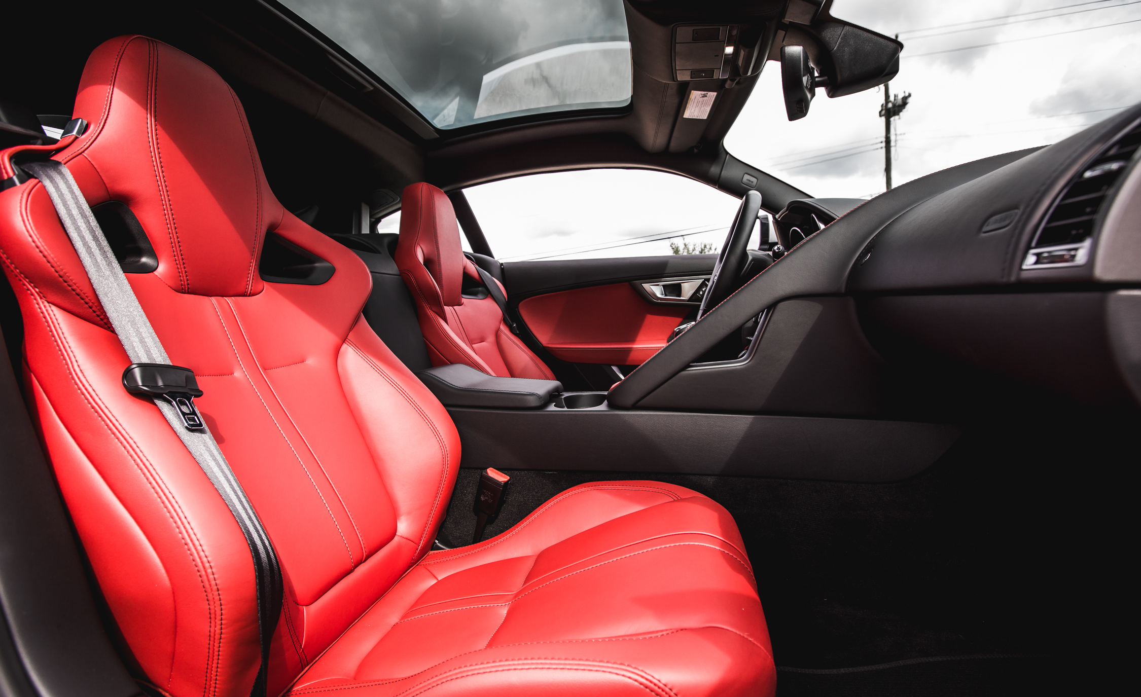 2016 Jaguar F Type V 6 S Coupe (Photo 19 of 23)
