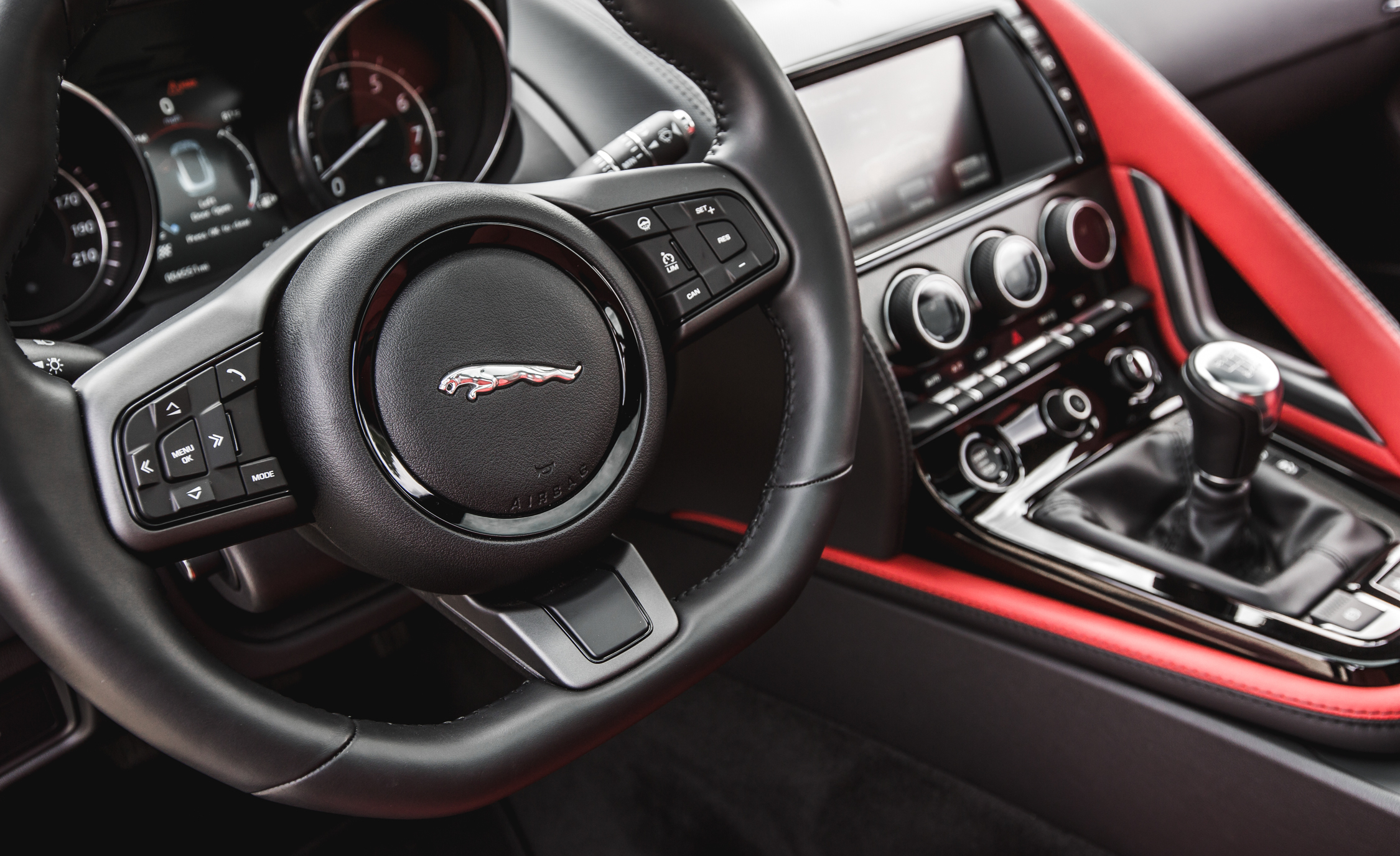 2016 Jaguar F Type V 6 S Coupe (Photo 21 of 23)