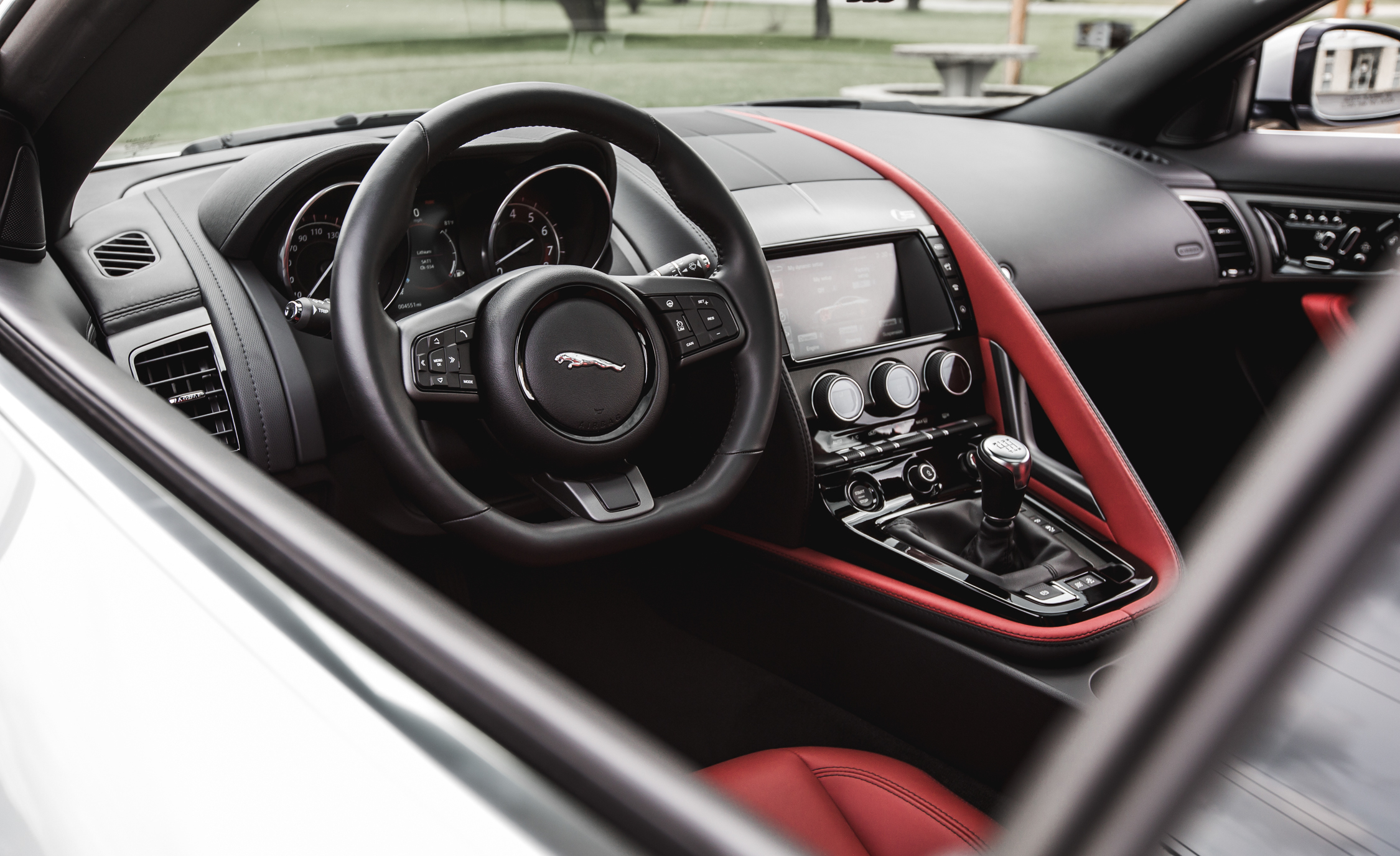 2016 Jaguar F Type V 6 S Coupe (Photo 4 of 23)