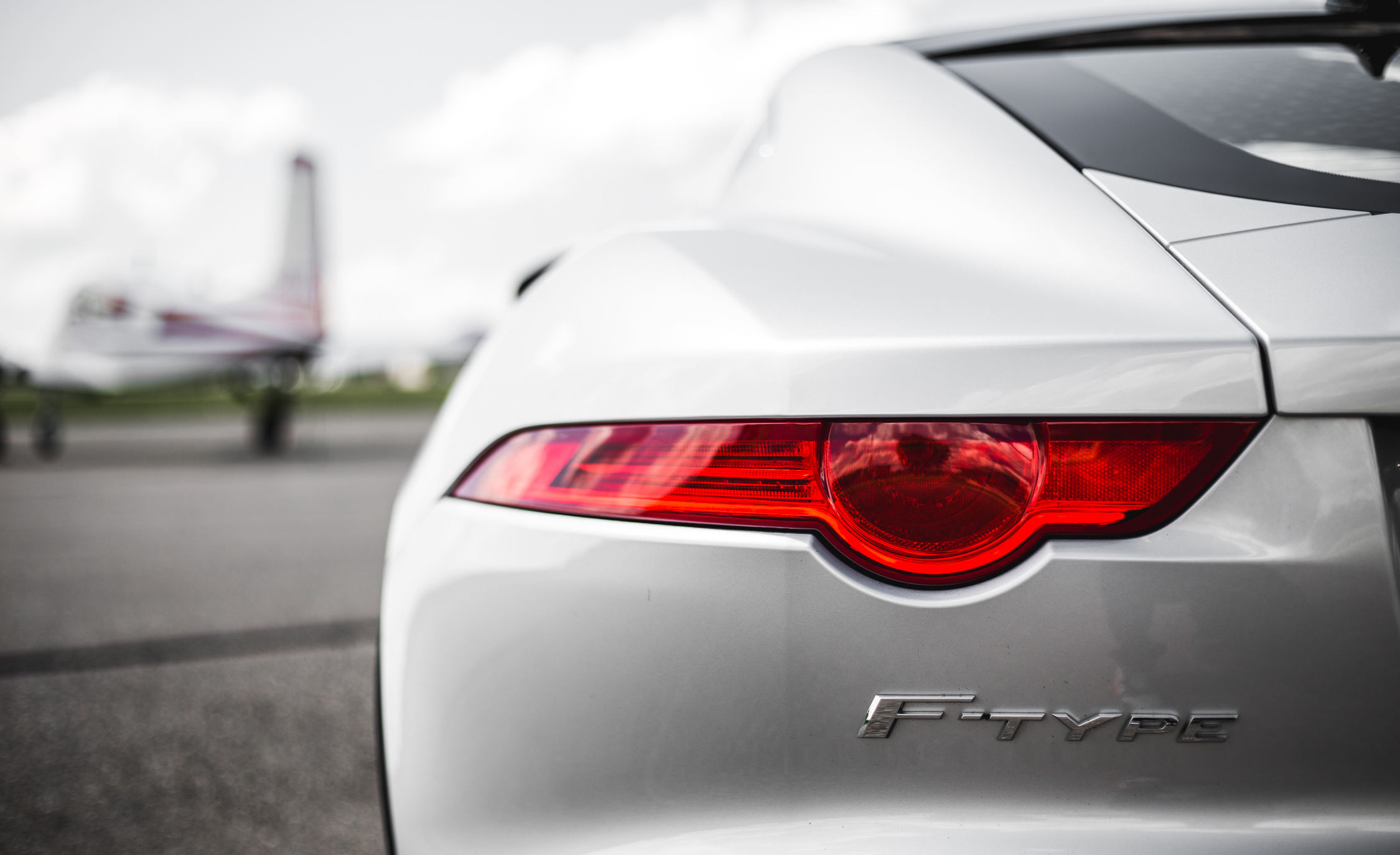 2016 Jaguar F Type V 6 S Coupe (Photo 10 of 23)