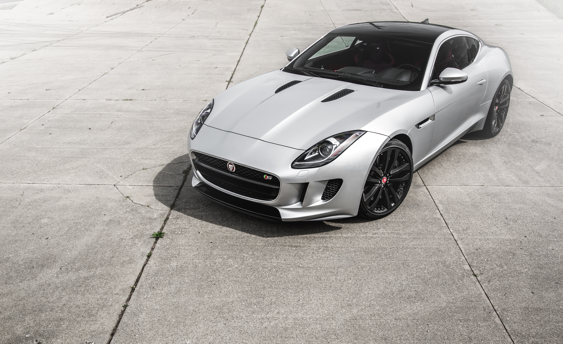Featured Image of 2016 Jaguar F TYPE S