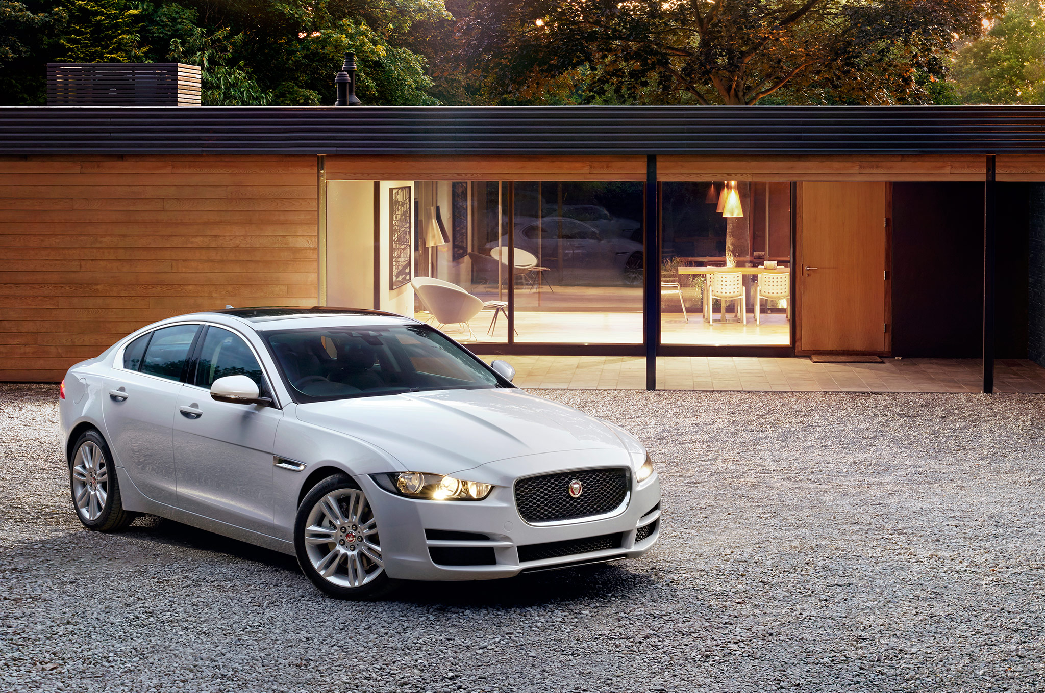 2016 Jaguar Xe White Preview (Photo 7 of 12)