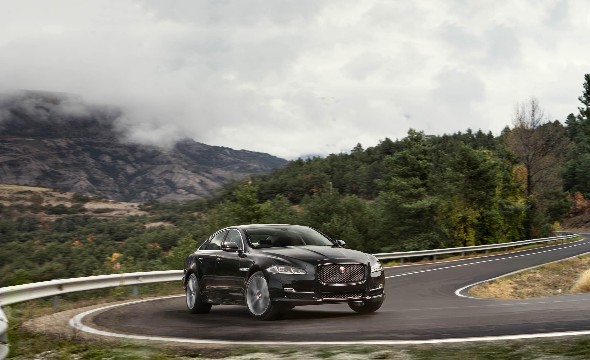 2016 Jaguar XJ (Photo 1 of 19)