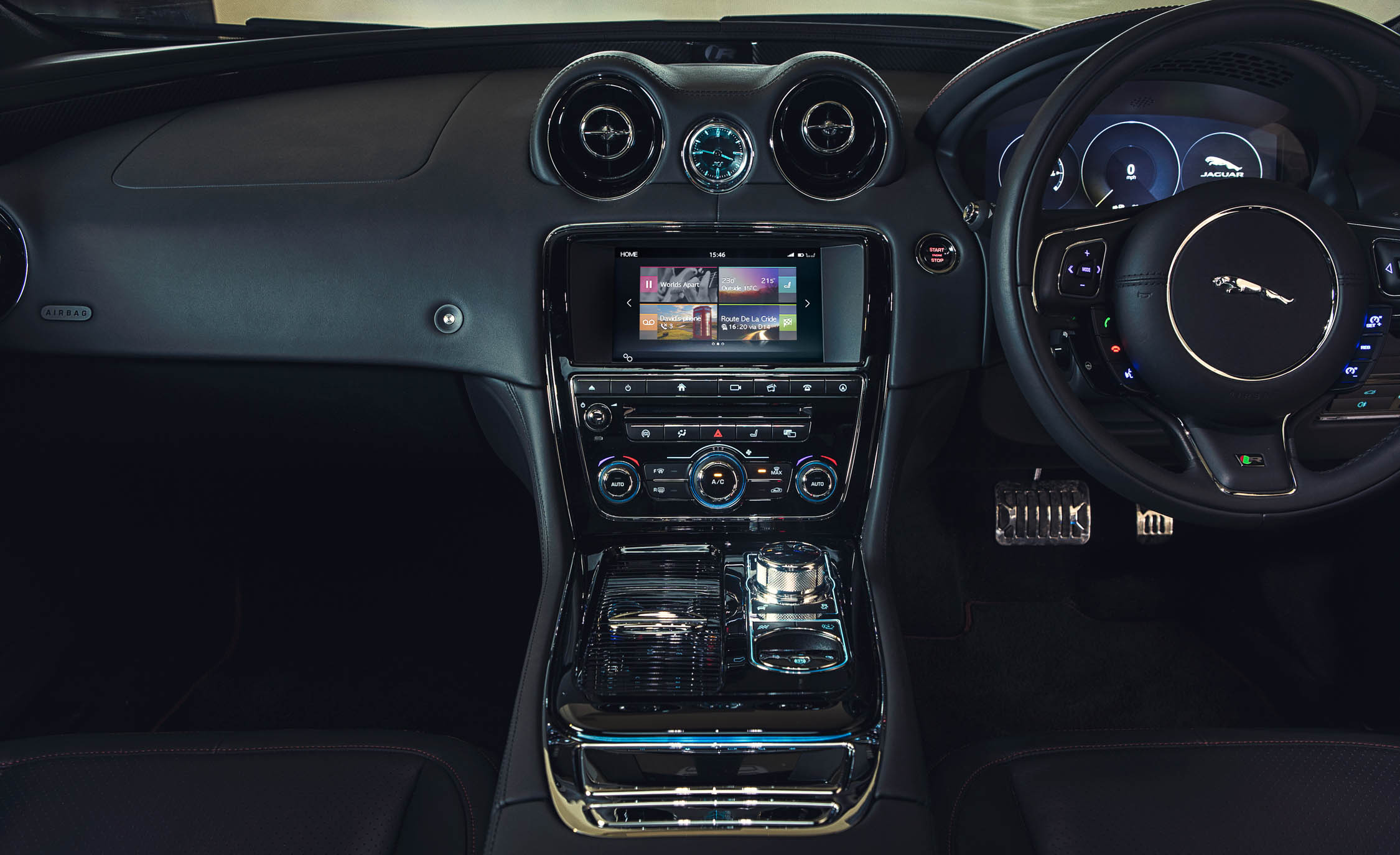 2016 Jaguar XJR (Photo 15 of 19)