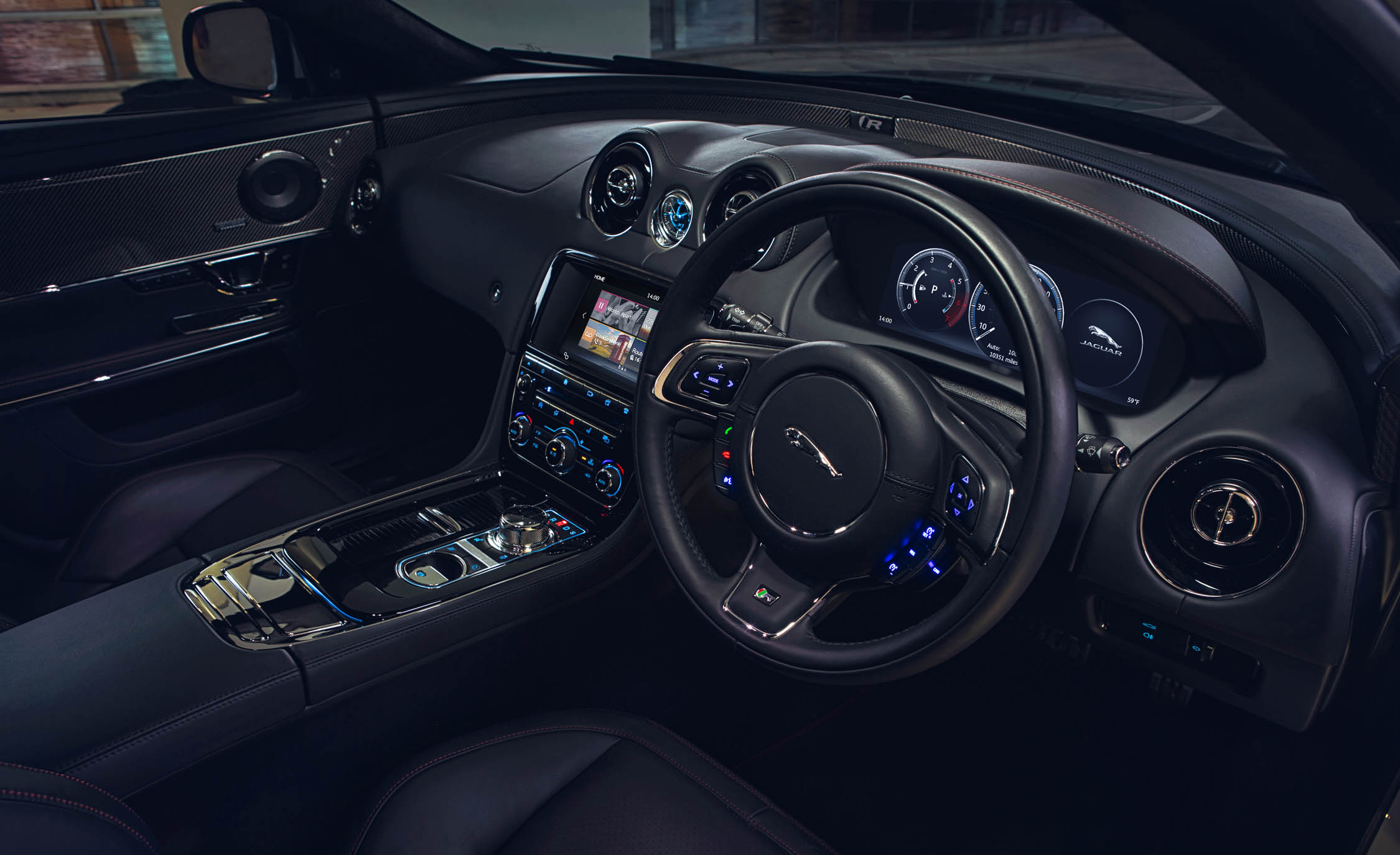 2016 Jaguar XJR (Photo 17 of 19)