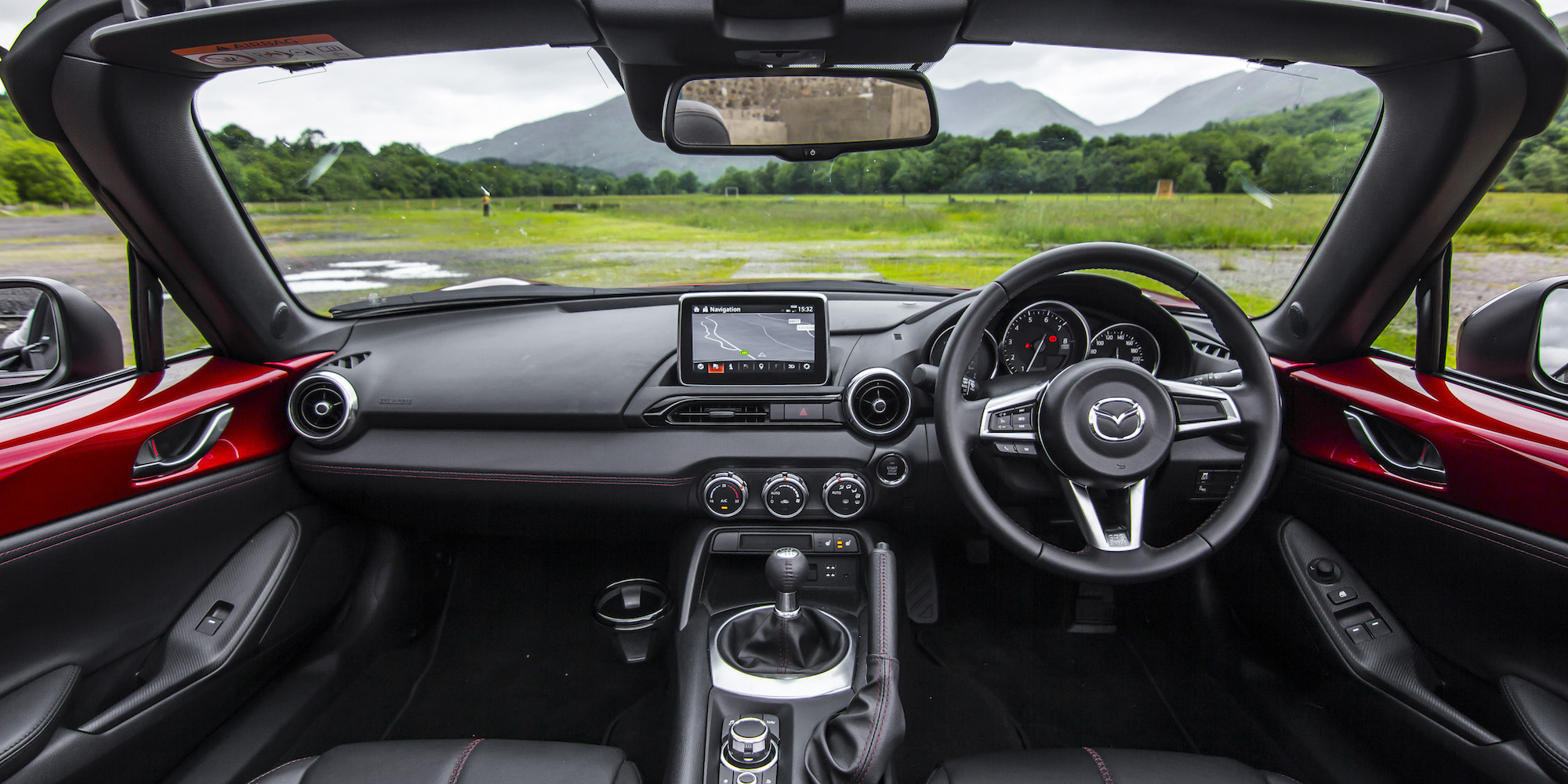 2016 Mazda Mx 5 Dashboard And Cockpit Interior (Photo 17 of 31)